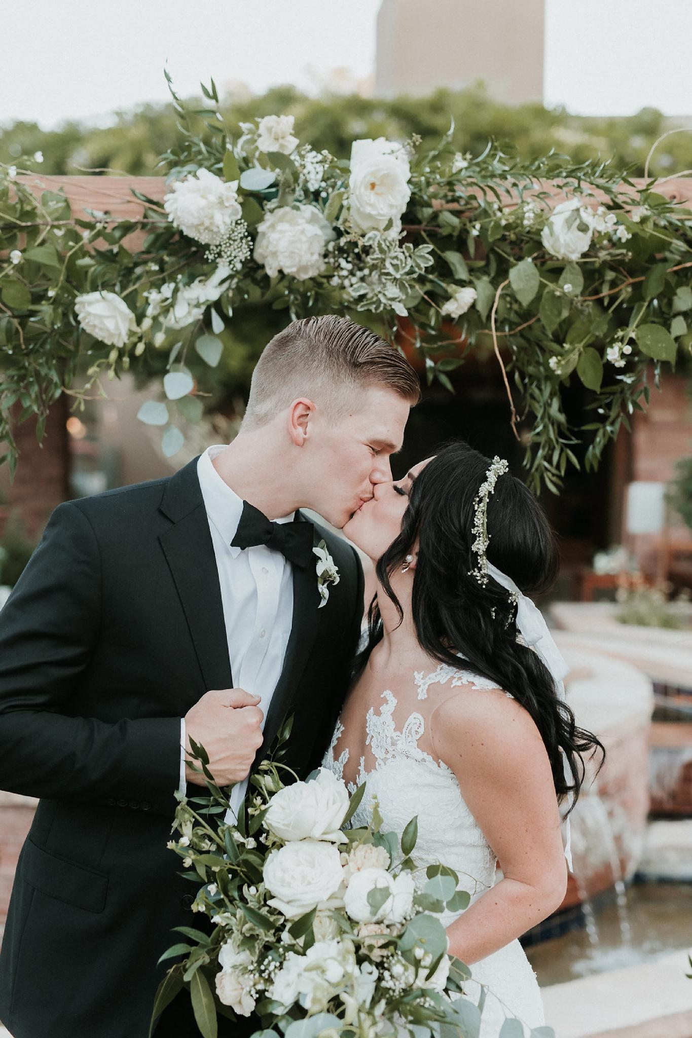 Alicia+lucia+photography+-+albuquerque+wedding+photographer+-+santa+fe+wedding+photography+-+new+mexico+wedding+photographer+-+wedding+ceremony+-+wedding+alter+-+floral+alter_0018.jpg