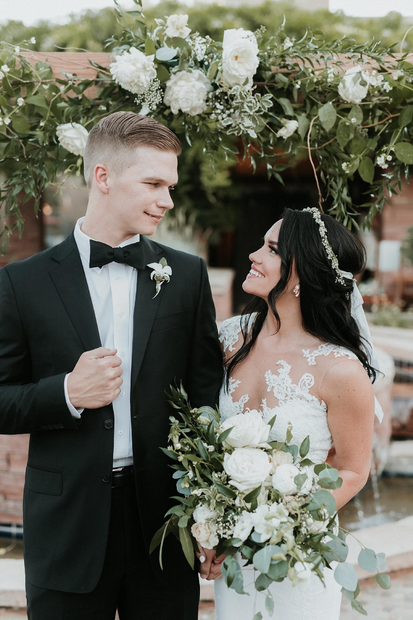 Alicia+lucia+photography+-+albuquerque+wedding+photographer+-+santa+fe+wedding+photography+-+new+mexico+wedding+photographer+-+wedding+ceremony+-+wedding+alter+-+floral+alter_0019.jpg