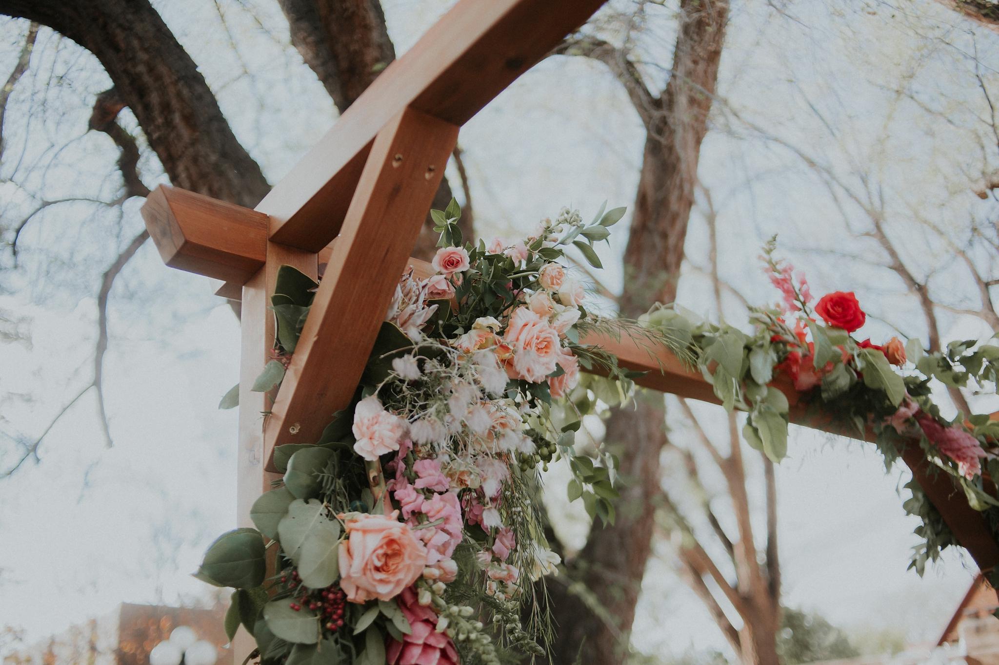 Alicia+lucia+photography+-+albuquerque+wedding+photographer+-+santa+fe+wedding+photography+-+new+mexico+wedding+photographer+-+wedding+ceremony+-+wedding+alter+-+floral+alter_0045.jpg