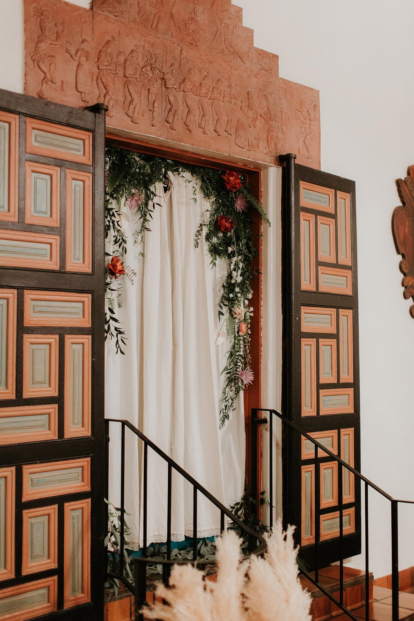 Alicia+lucia+photography+-+albuquerque+wedding+photographer+-+santa+fe+wedding+photography+-+new+mexico+wedding+photographer+-+wedding+ceremony+-+wedding+alter+-+floral+alter_0056.jpg