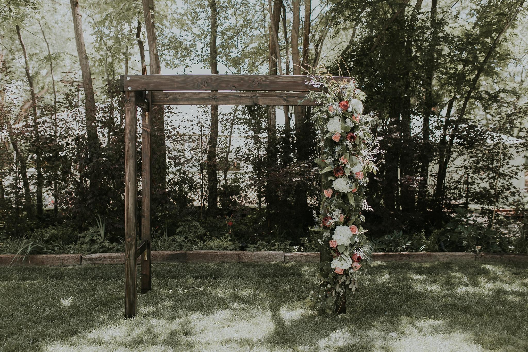 Alicia+lucia+photography+-+albuquerque+wedding+photographer+-+santa+fe+wedding+photography+-+new+mexico+wedding+photographer+-+wedding+ceremony+-+wedding+alter+-+floral+alter_0080.jpg