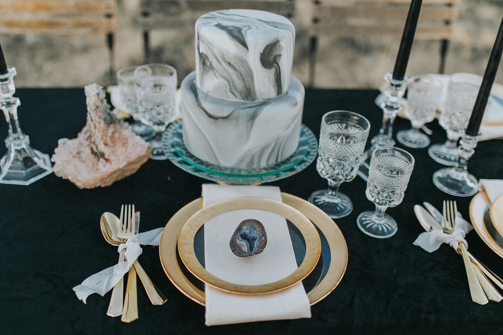Alicia+lucia+photography+-+albuquerque+wedding+photographer+-+santa+fe+wedding+photography+-+new+mexico+wedding+photographer+-+wedding+reception+-+wedding+cake+-+wedding+sweets+-+maggies+cakes_0004.jpg