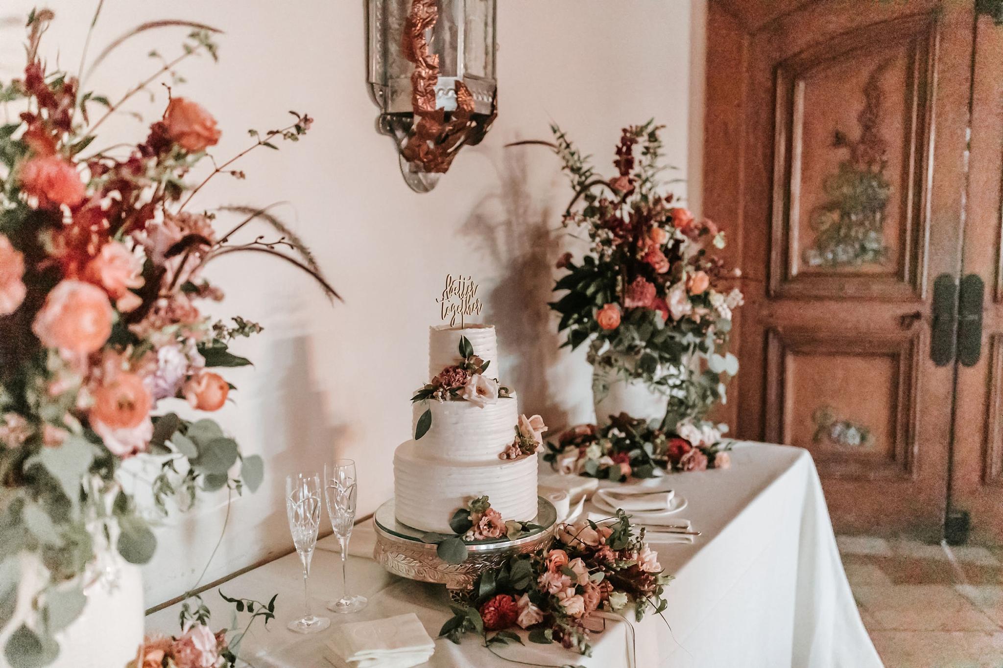 Alicia+lucia+photography+-+albuquerque+wedding+photographer+-+santa+fe+wedding+photography+-+new+mexico+wedding+photographer+-+wedding+reception+-+wedding+cake+-+wedding+sweets+-+maggies+cakes_0012.jpg