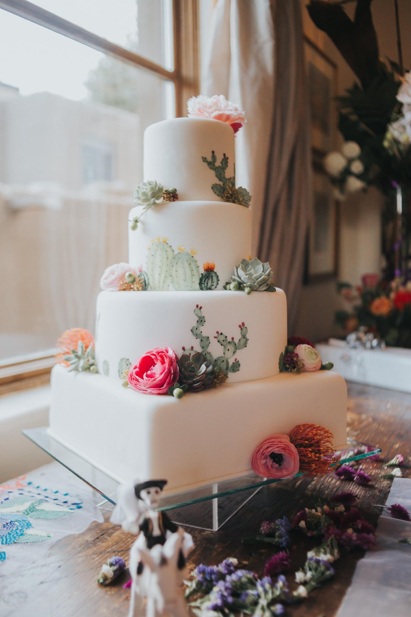 Alicia+lucia+photography+-+albuquerque+wedding+photographer+-+santa+fe+wedding+photography+-+new+mexico+wedding+photographer+-+wedding+reception+-+wedding+cake+-+wedding+sweets+-+maggies+cakes_0017.jpg