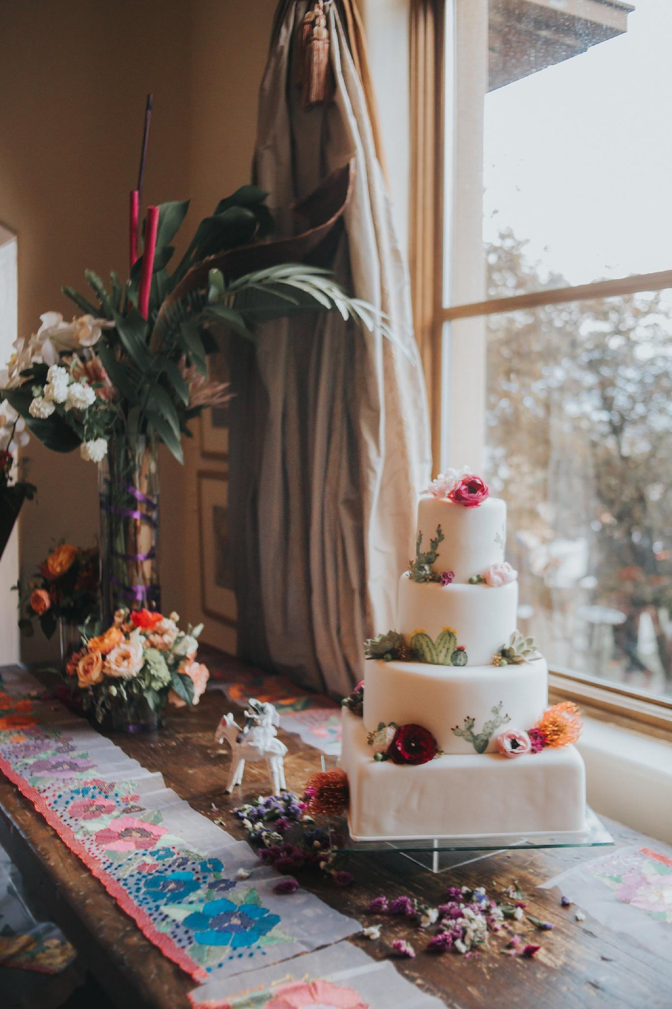 Alicia+lucia+photography+-+albuquerque+wedding+photographer+-+santa+fe+wedding+photography+-+new+mexico+wedding+photographer+-+wedding+reception+-+wedding+cake+-+wedding+sweets+-+maggies+cakes_0020.jpg