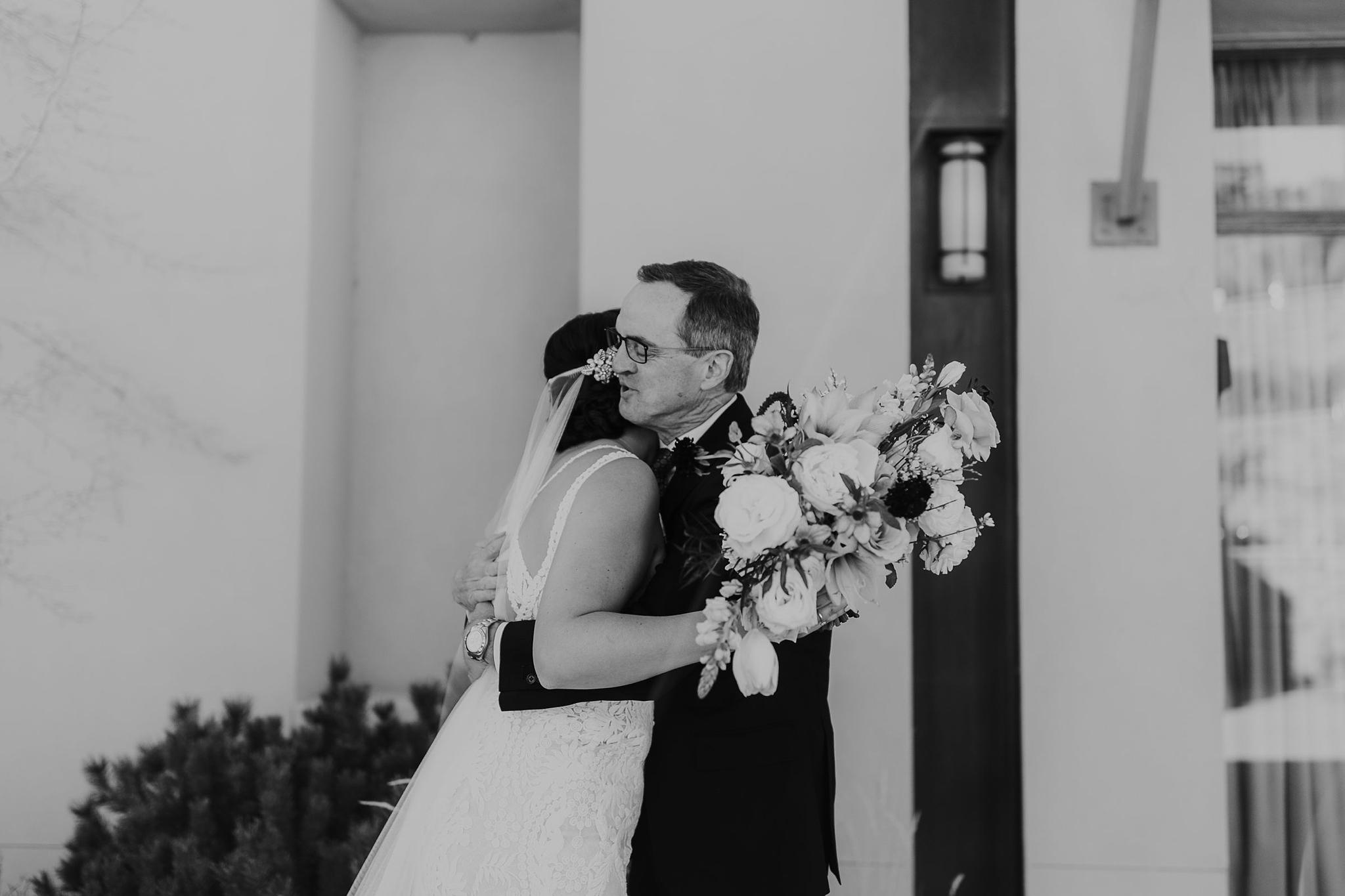 Alicia+lucia+photography+-+albuquerque+wedding+photographer+-+santa+fe+wedding+photography+-+new+mexico+wedding+photographer+-+new+mexico+wedding+-+santa+fe+wedding+-+four+seasons+wedding+-+winter+wedding_0022.jpg
