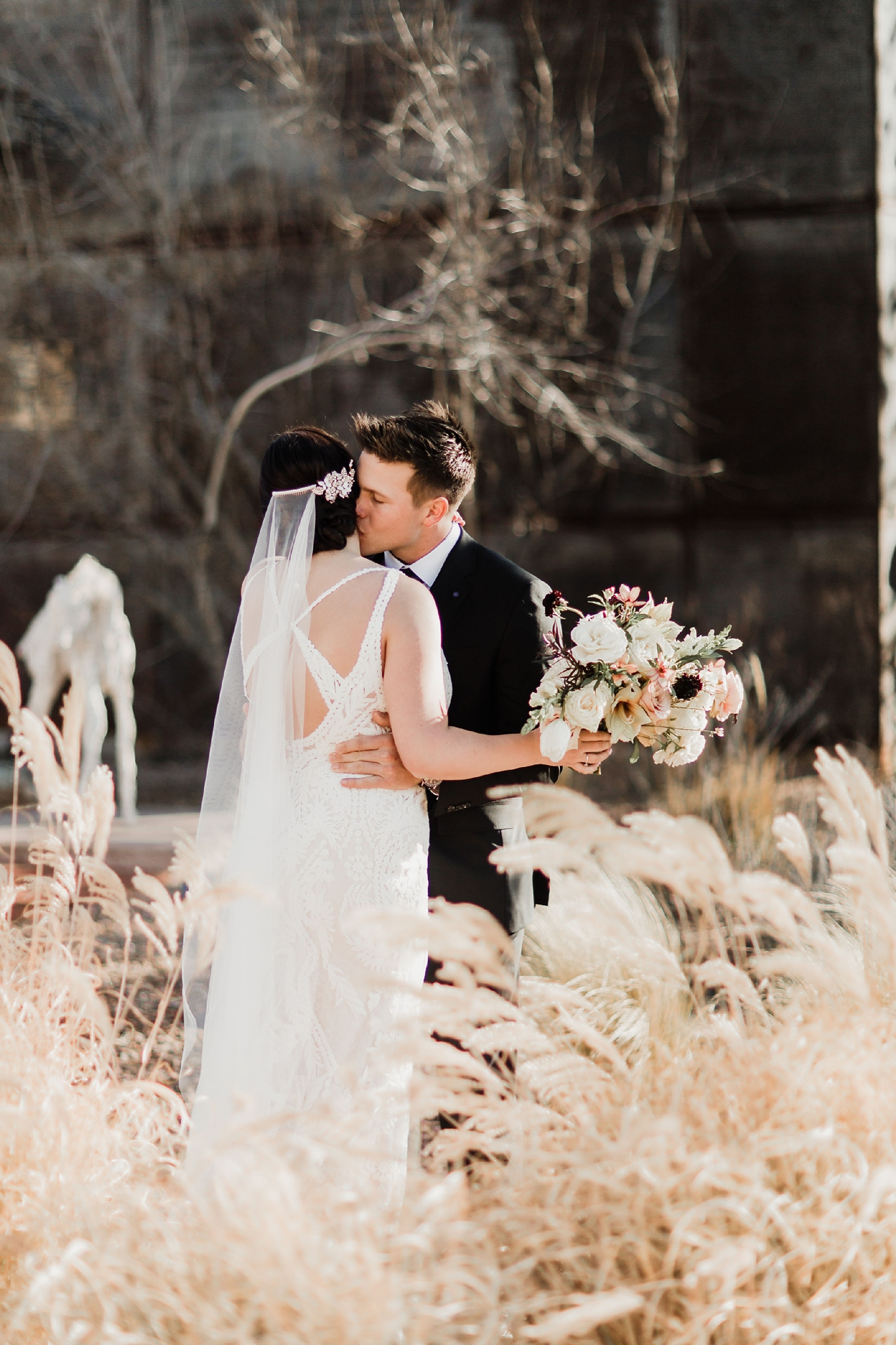 Alicia+lucia+photography+-+albuquerque+wedding+photographer+-+santa+fe+wedding+photography+-+new+mexico+wedding+photographer+-+new+mexico+wedding+-+santa+fe+wedding+-+four+seasons+wedding+-+winter+wedding_0033.jpg