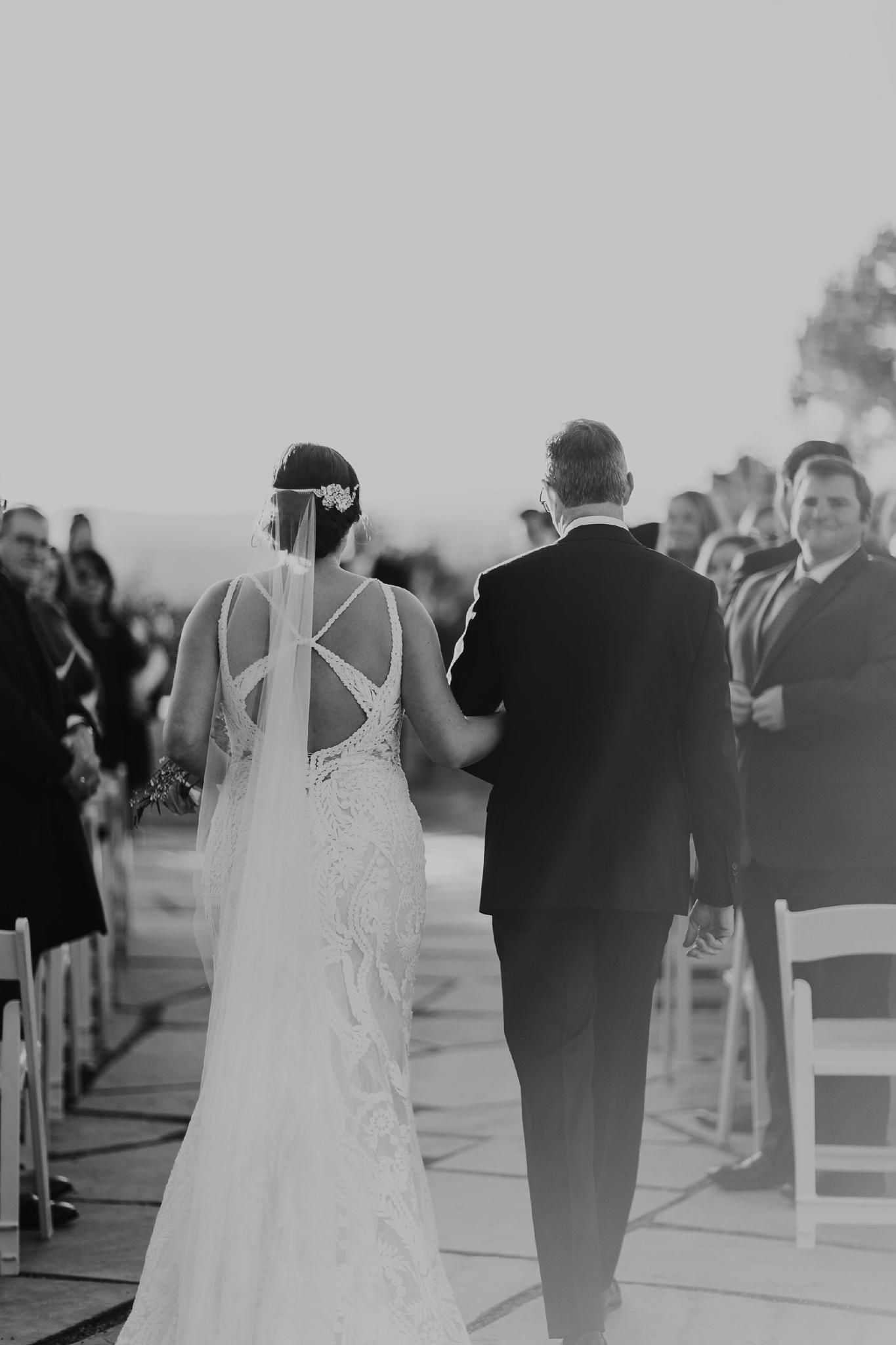 Alicia+lucia+photography+-+albuquerque+wedding+photographer+-+santa+fe+wedding+photography+-+new+mexico+wedding+photographer+-+new+mexico+wedding+-+santa+fe+wedding+-+four+seasons+wedding+-+winter+wedding_0052.jpg