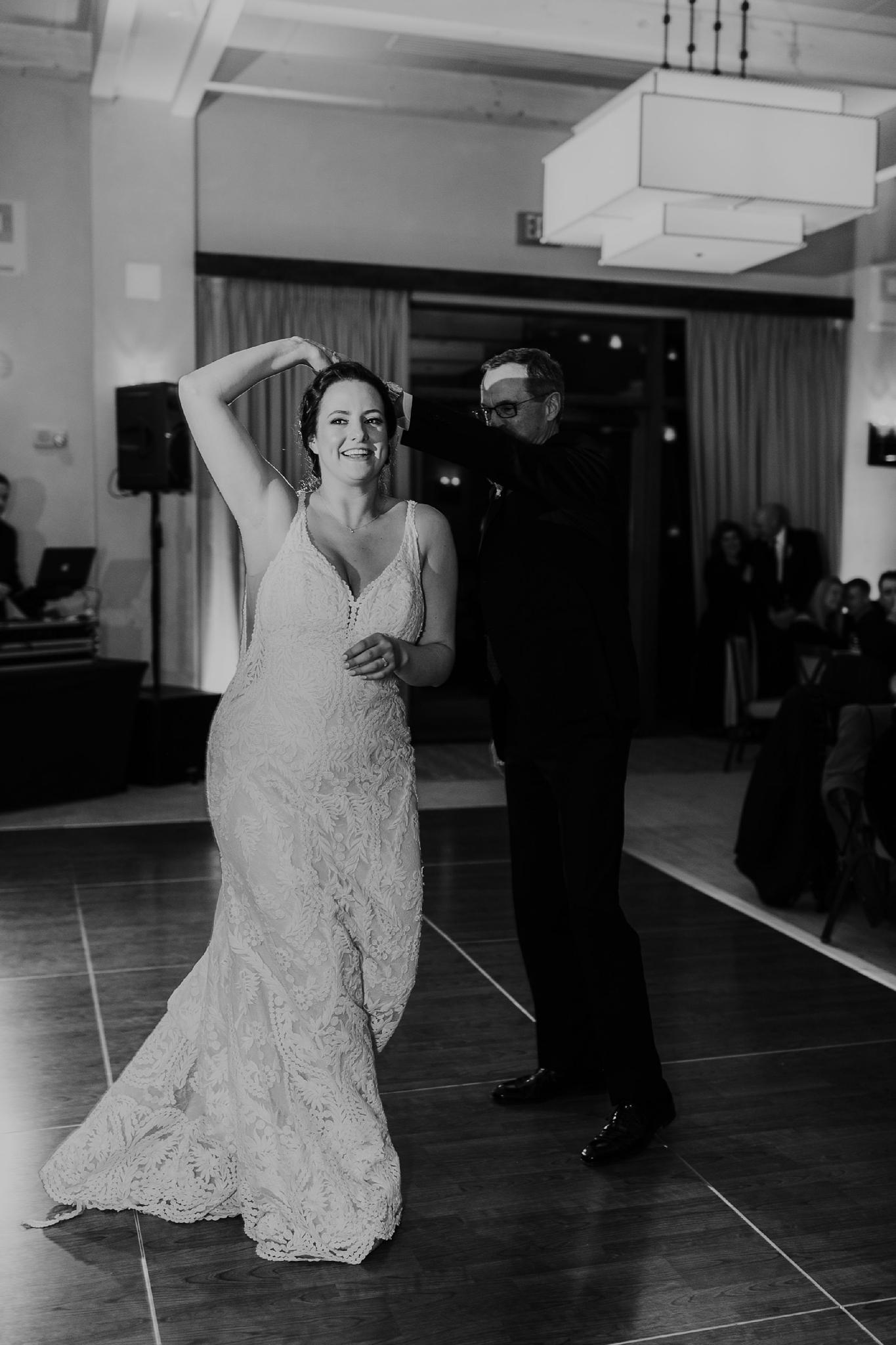Alicia+lucia+photography+-+albuquerque+wedding+photographer+-+santa+fe+wedding+photography+-+new+mexico+wedding+photographer+-+new+mexico+wedding+-+santa+fe+wedding+-+four+seasons+wedding+-+winter+wedding_0143.jpg