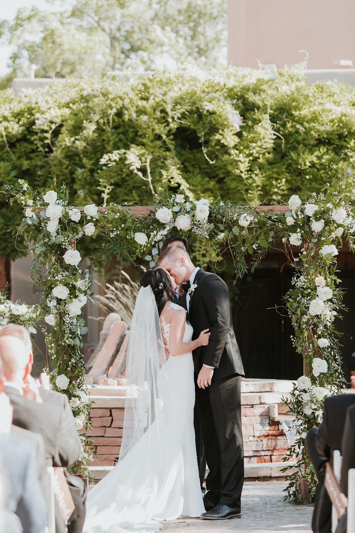 Alicia+lucia+photography+-+albuquerque+wedding+photographer+-+santa+fe+wedding+photography+-+new+mexico+wedding+photographer+-+new+mexico+florist+-+wedding+florist+-+renegade+floral_0012.jpg