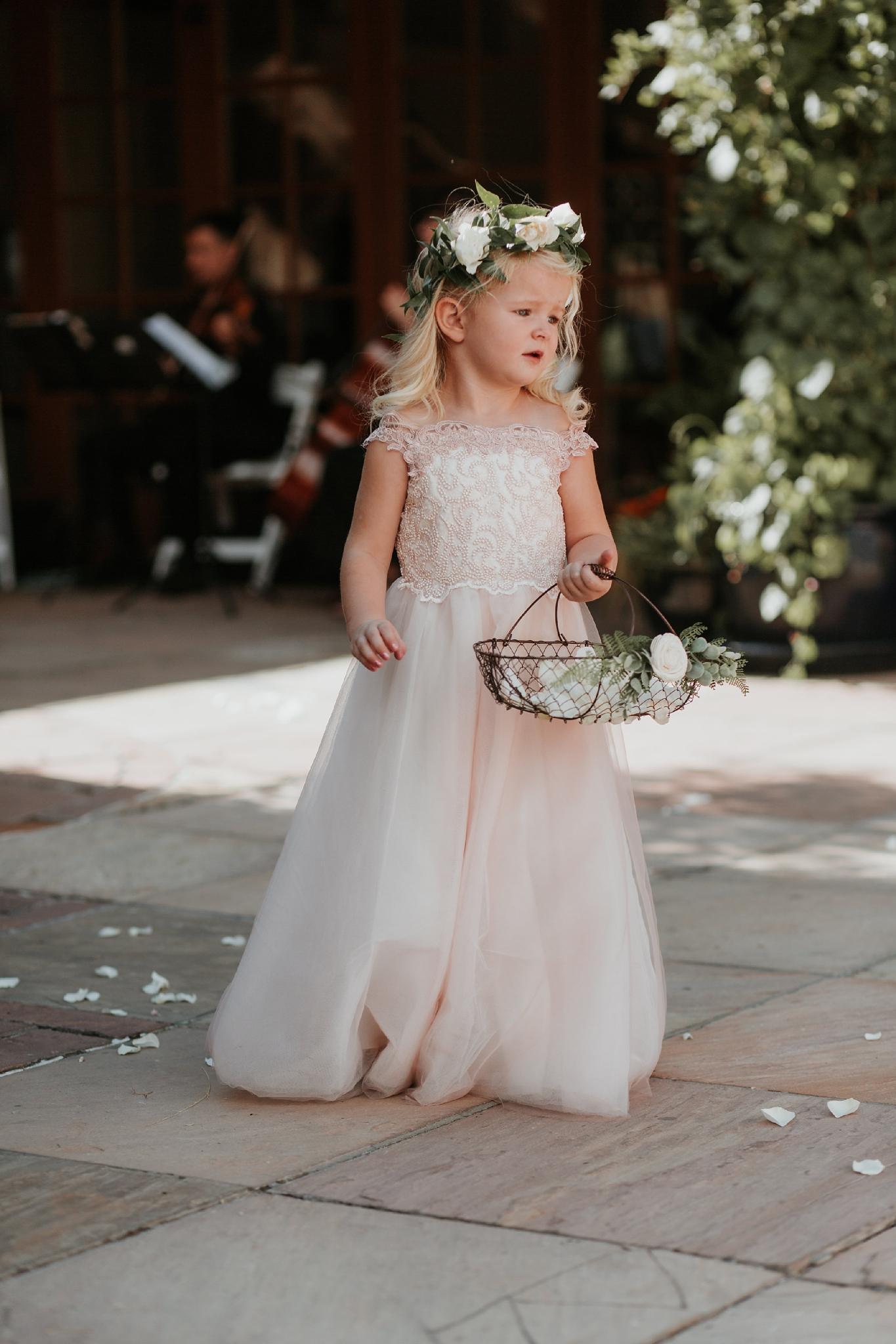 Alicia+lucia+photography+-+albuquerque+wedding+photographer+-+santa+fe+wedding+photography+-+new+mexico+wedding+photographer+-+new+mexico+wedding+-+flower+girl+-+wedding+flower+girl_0022.jpg