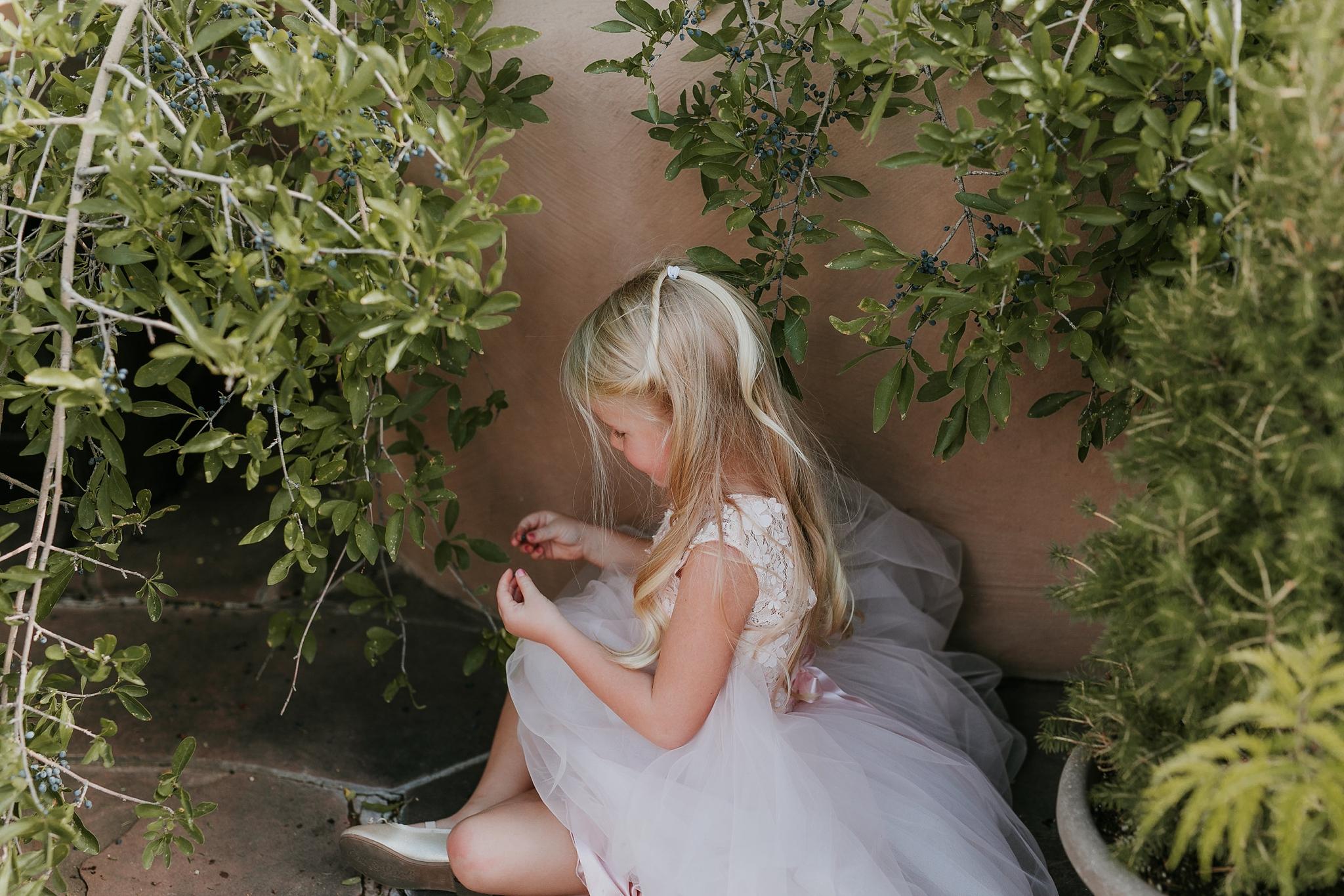 Alicia+lucia+photography+-+albuquerque+wedding+photographer+-+santa+fe+wedding+photography+-+new+mexico+wedding+photographer+-+new+mexico+wedding+-+flower+girl+-+wedding+flower+girl_0024.jpg