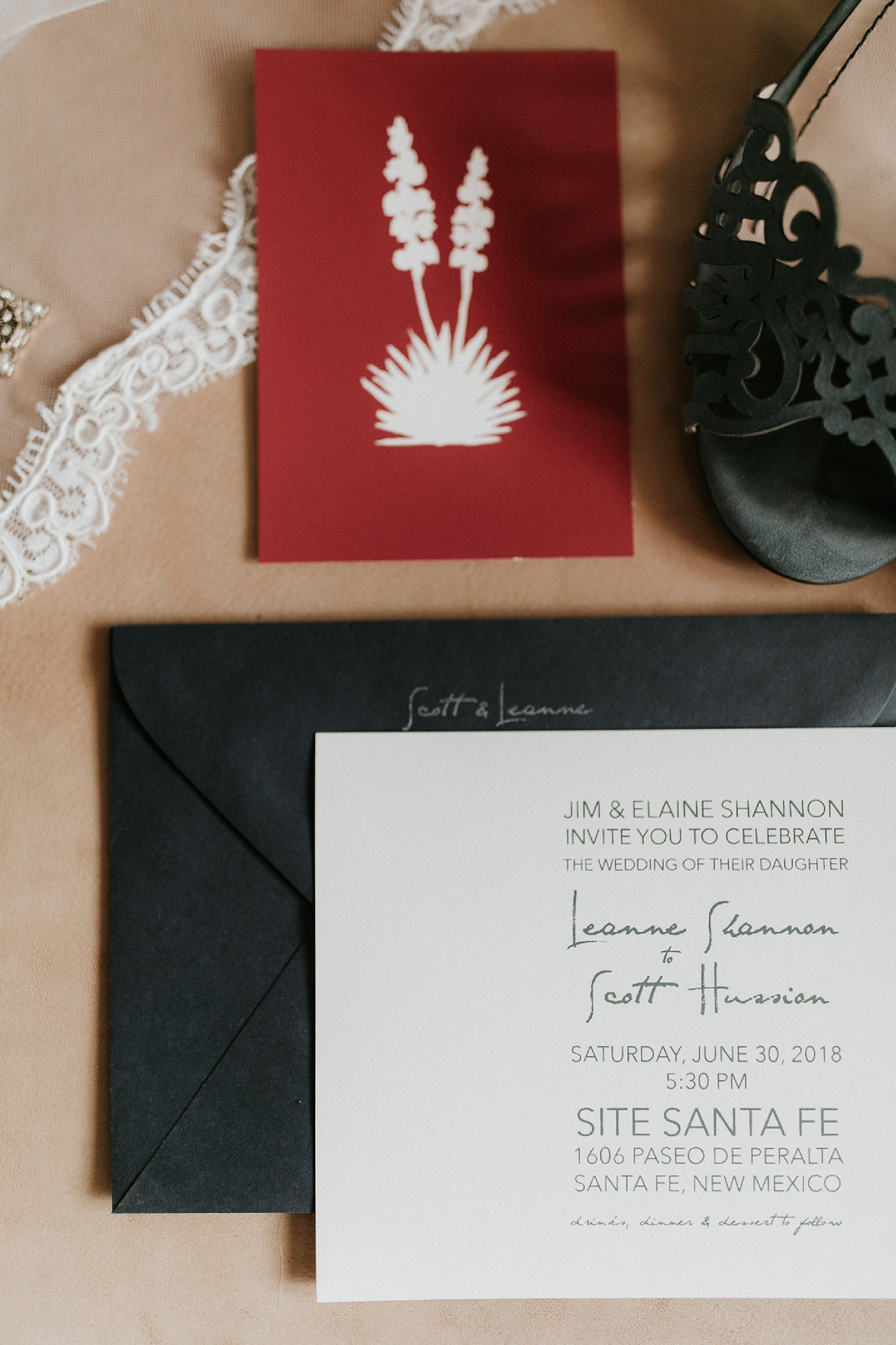 Alicia+lucia+photography+-+albuquerque+wedding+photographer+-+santa+fe+wedding+photography+-+new+mexico+wedding+photographer+-+new+mexico+wedding+-+wedding+invitations+-+invitation+suite+-+wedding+inspo_0005.jpg