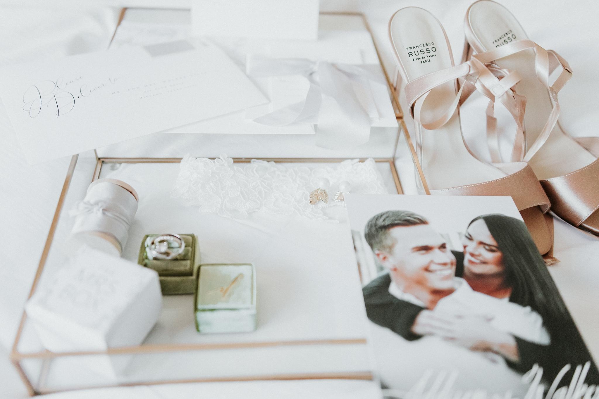 Alicia+lucia+photography+-+albuquerque+wedding+photographer+-+santa+fe+wedding+photography+-+new+mexico+wedding+photographer+-+new+mexico+wedding+-+wedding+invitations+-+invitation+suite+-+wedding+inspo_0047.jpg
