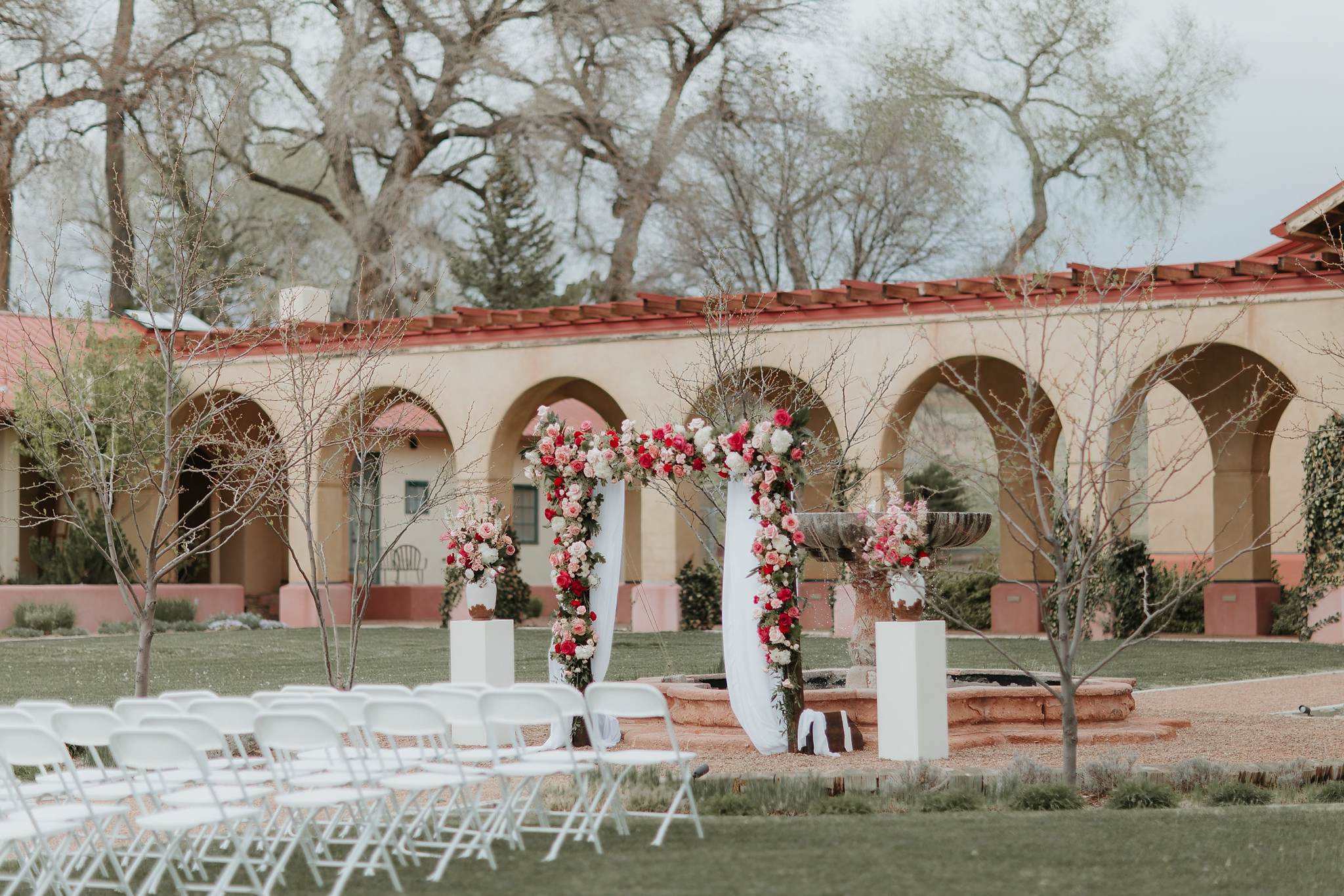 Alicia+lucia+photography+-+albuquerque+wedding+photographer+-+santa+fe+wedding+photography+-+new+mexico+wedding+photographer+-+new+mexico+wedding+-+wedding+planner+-+just+lovely+weddings+-+new+mexico+wedding+planner_0043.jpg