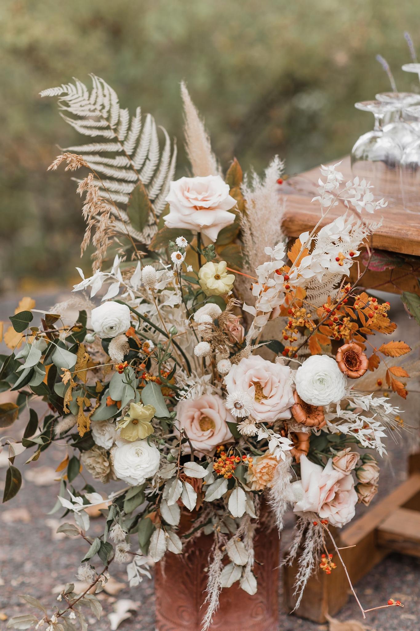 Alicia+lucia+photography+-+albuquerque+wedding+photographer+-+santa+fe+wedding+photography+-+new+mexico+wedding+photographer+-+new+mexico+wedding+-+new+mexico+florist+-+floriography+flowers+-+floriography+flowers+new+mexico+-+wedding+florist_0025.jpg