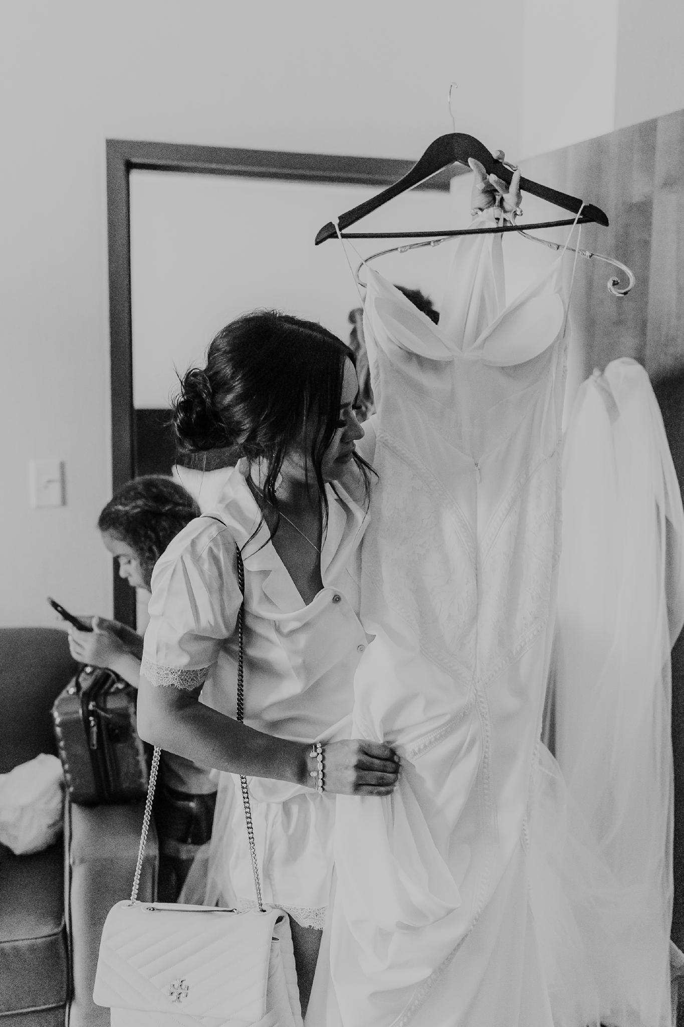 Alicia+lucia+photography+-+albuquerque+wedding+photographer+-+santa+fe+wedding+photography+-+new+mexico+wedding+photographer+-+new+mexico+wedding+-+new+mexico+wedding+-+barn+wedding+-+enchanted+vine+barn+wedding+-+ruidoso+wedding_0018.jpg