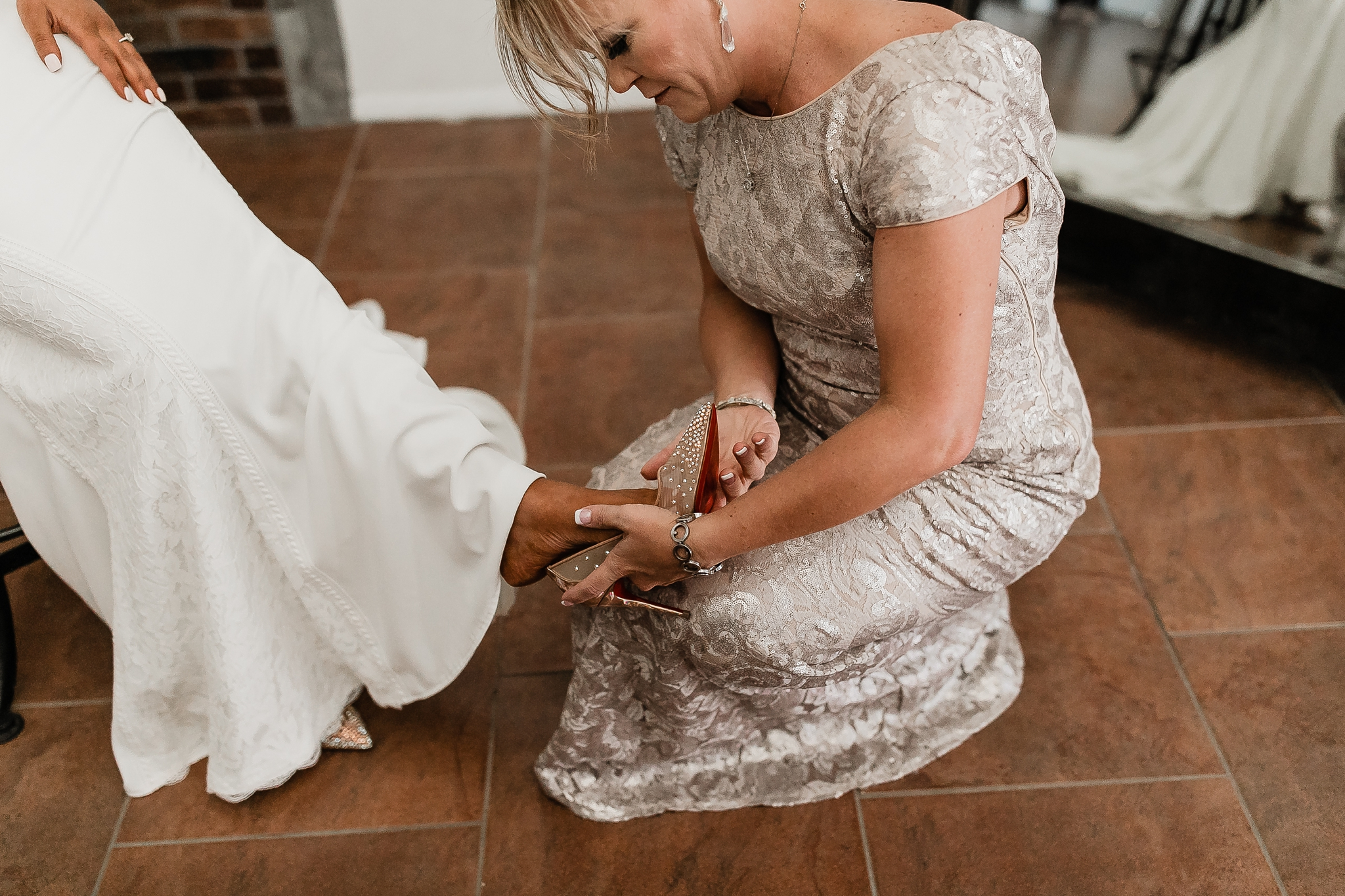 Alicia+lucia+photography+-+albuquerque+wedding+photographer+-+santa+fe+wedding+photography+-+new+mexico+wedding+photographer+-+new+mexico+wedding+-+new+mexico+wedding+-+barn+wedding+-+enchanted+vine+barn+wedding+-+ruidoso+wedding_0041.jpg