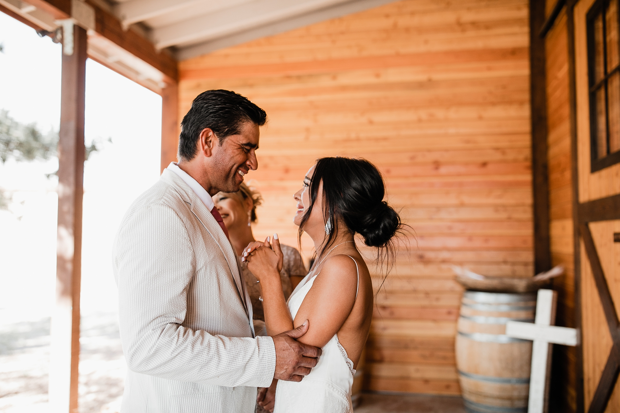 Alicia+lucia+photography+-+albuquerque+wedding+photographer+-+santa+fe+wedding+photography+-+new+mexico+wedding+photographer+-+new+mexico+wedding+-+new+mexico+wedding+-+barn+wedding+-+enchanted+vine+barn+wedding+-+ruidoso+wedding_0063.jpg