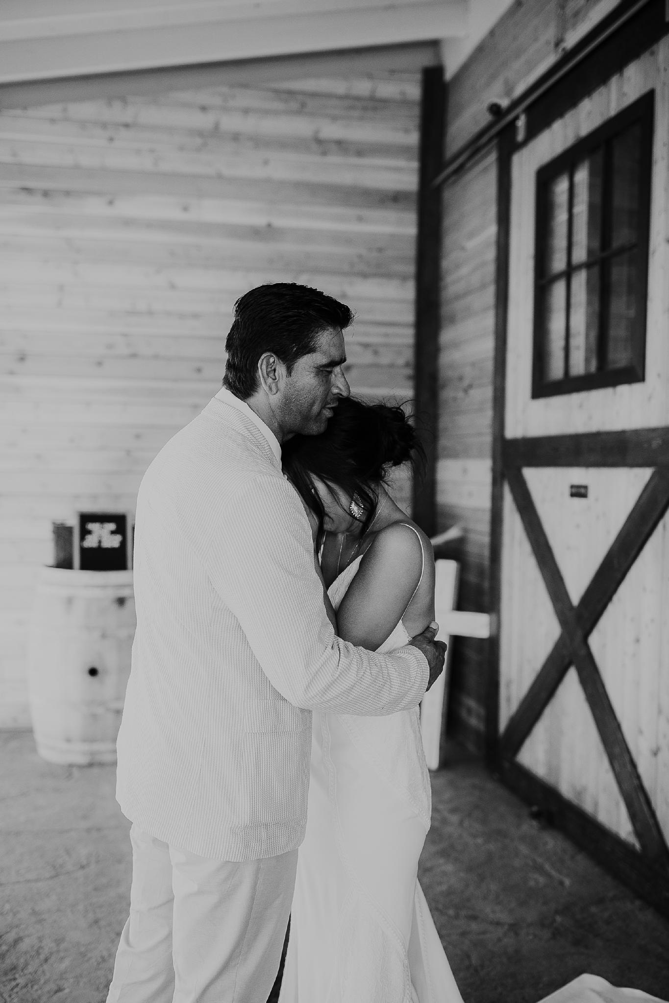 Alicia+lucia+photography+-+albuquerque+wedding+photographer+-+santa+fe+wedding+photography+-+new+mexico+wedding+photographer+-+new+mexico+wedding+-+new+mexico+wedding+-+barn+wedding+-+enchanted+vine+barn+wedding+-+ruidoso+wedding_0064.jpg