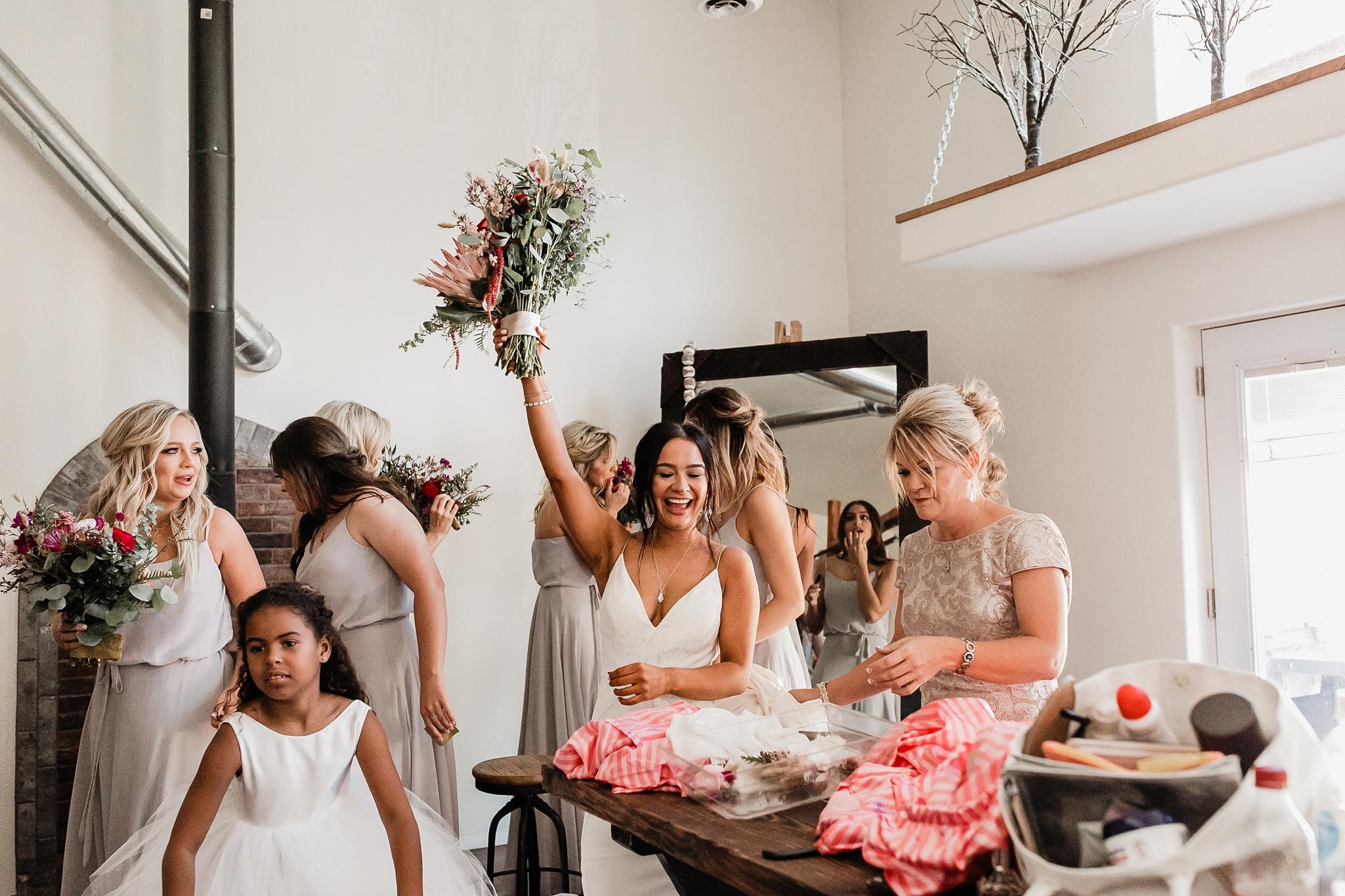 Alicia+lucia+photography+-+albuquerque+wedding+photographer+-+santa+fe+wedding+photography+-+new+mexico+wedding+photographer+-+new+mexico+wedding+-+new+mexico+wedding+-+barn+wedding+-+enchanted+vine+barn+wedding+-+ruidoso+wedding_0081.jpg