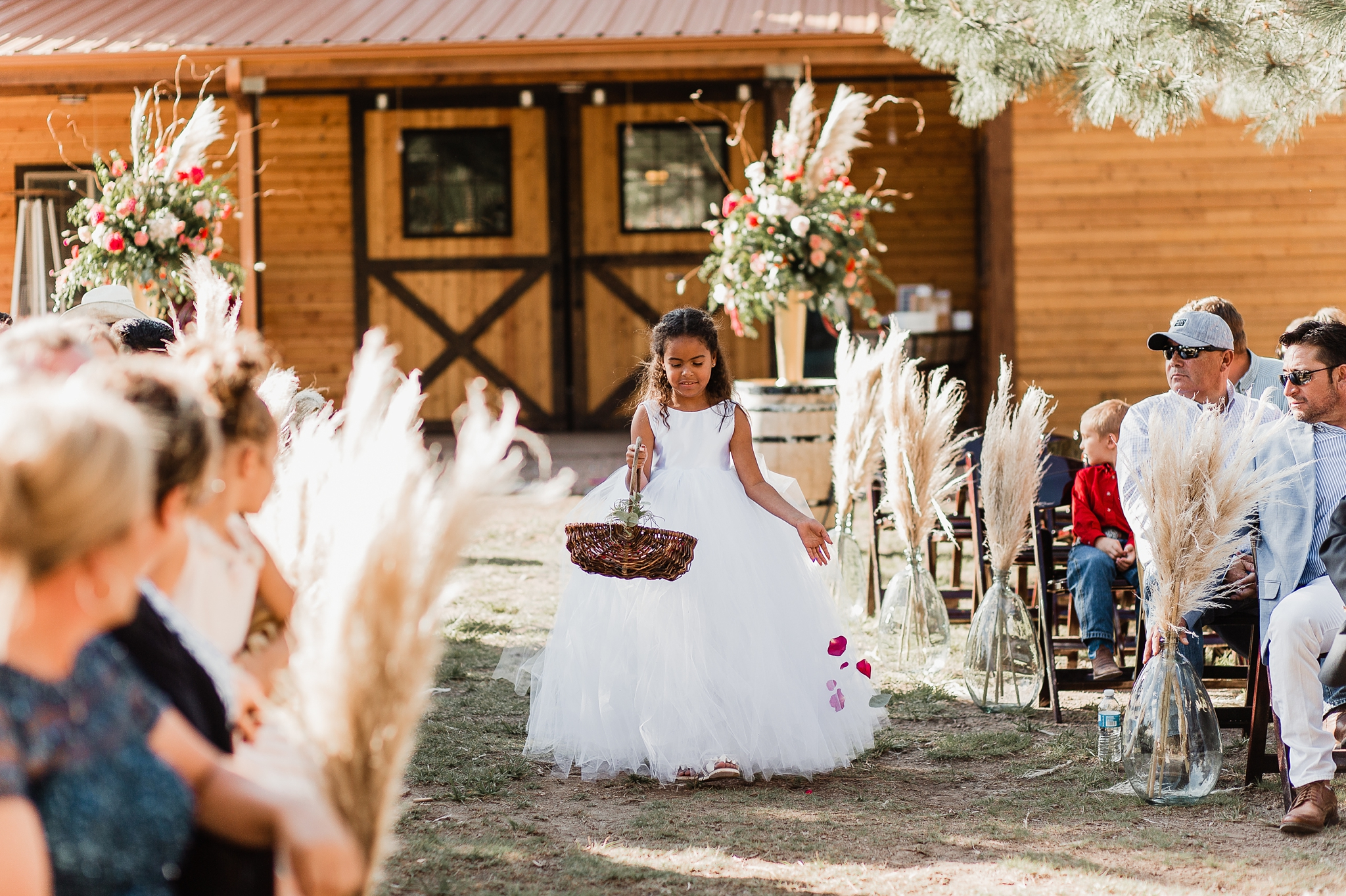 Alicia+lucia+photography+-+albuquerque+wedding+photographer+-+santa+fe+wedding+photography+-+new+mexico+wedding+photographer+-+new+mexico+wedding+-+new+mexico+wedding+-+barn+wedding+-+enchanted+vine+barn+wedding+-+ruidoso+wedding_0089.jpg