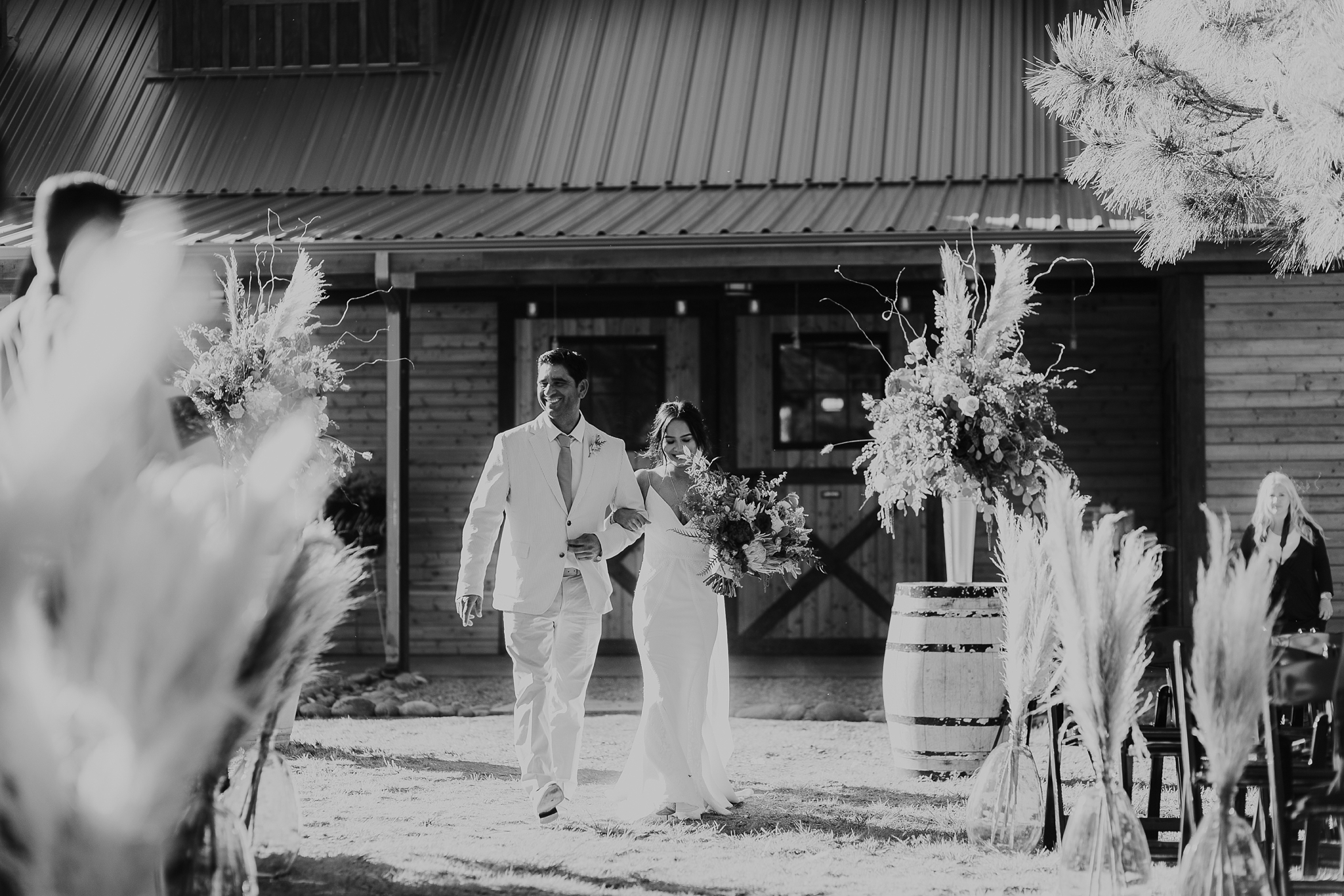Alicia+lucia+photography+-+albuquerque+wedding+photographer+-+santa+fe+wedding+photography+-+new+mexico+wedding+photographer+-+new+mexico+wedding+-+new+mexico+wedding+-+barn+wedding+-+enchanted+vine+barn+wedding+-+ruidoso+wedding_0094.jpg
