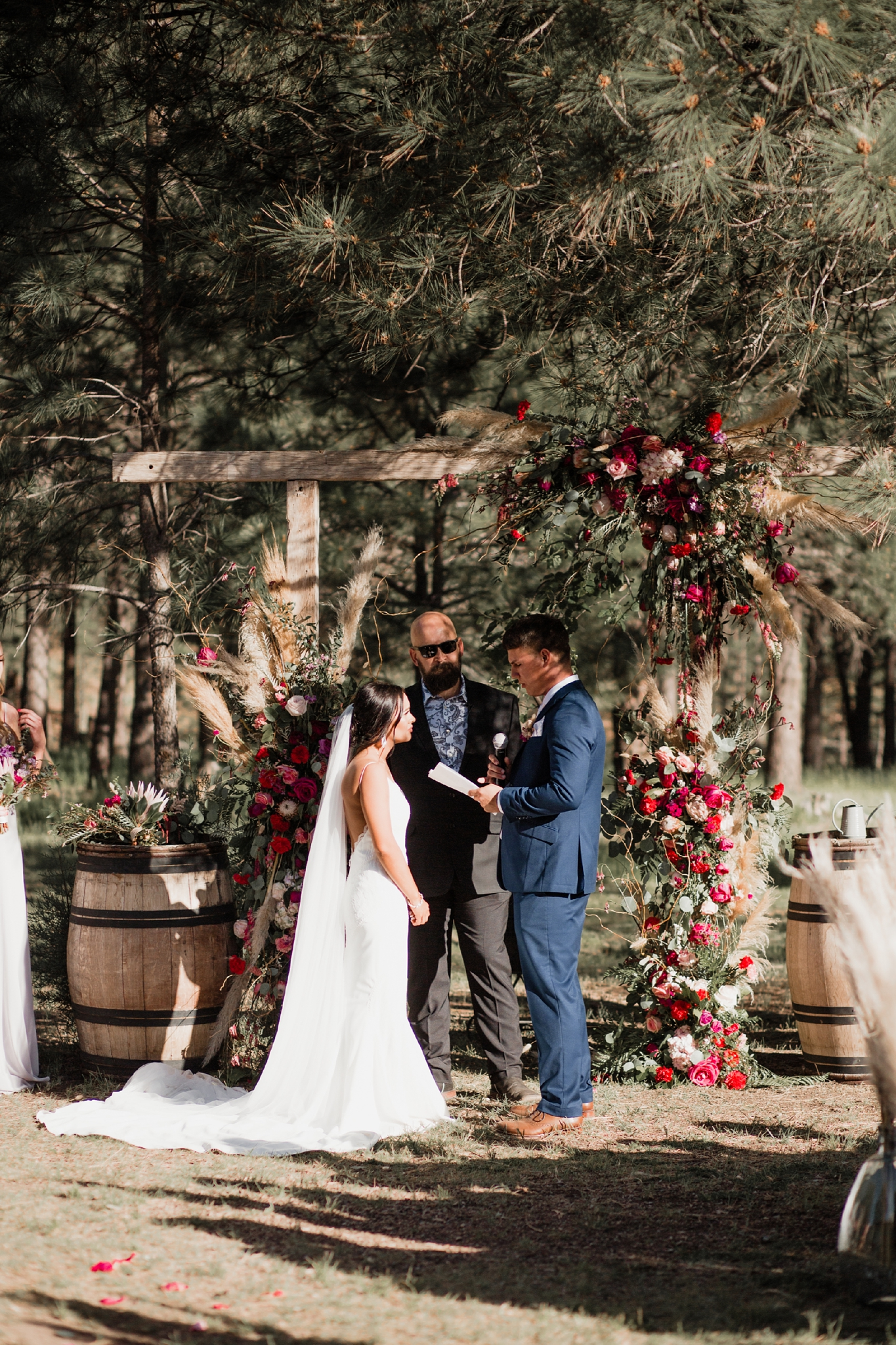 Alicia+lucia+photography+-+albuquerque+wedding+photographer+-+santa+fe+wedding+photography+-+new+mexico+wedding+photographer+-+new+mexico+wedding+-+new+mexico+wedding+-+barn+wedding+-+enchanted+vine+barn+wedding+-+ruidoso+wedding_0102.jpg