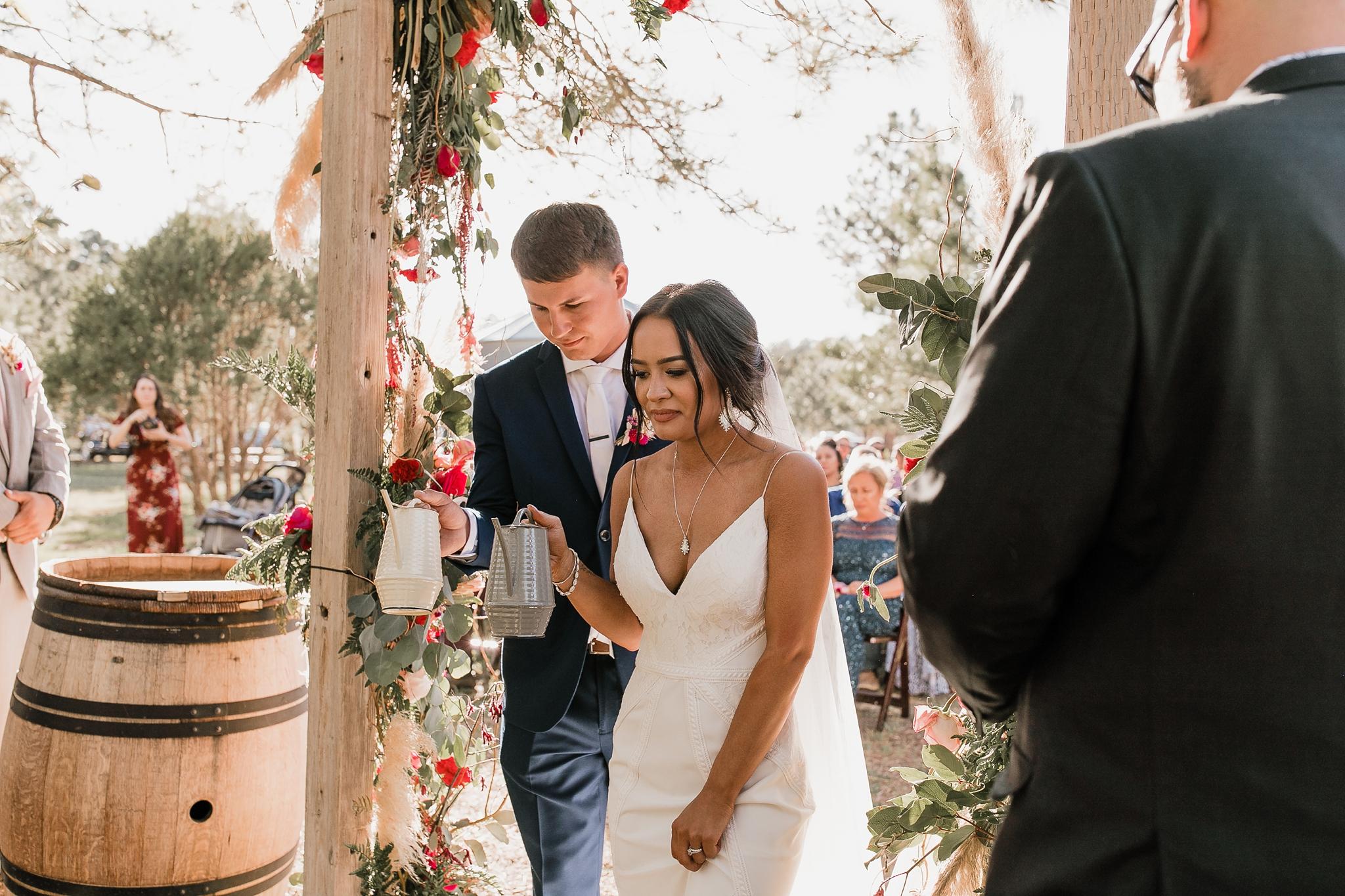 Alicia+lucia+photography+-+albuquerque+wedding+photographer+-+santa+fe+wedding+photography+-+new+mexico+wedding+photographer+-+new+mexico+wedding+-+new+mexico+wedding+-+barn+wedding+-+enchanted+vine+barn+wedding+-+ruidoso+wedding_0105.jpg