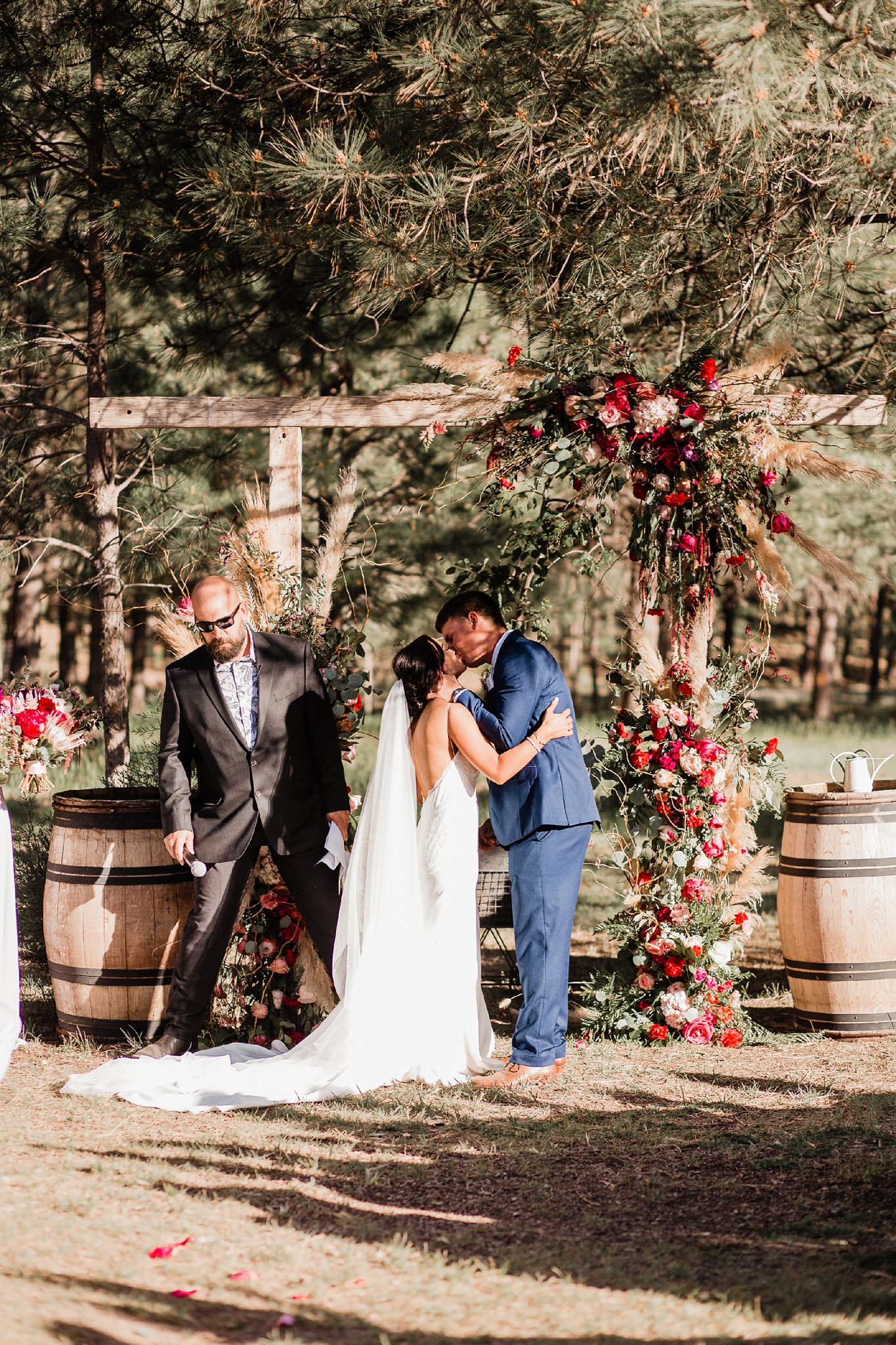 Alicia+lucia+photography+-+albuquerque+wedding+photographer+-+santa+fe+wedding+photography+-+new+mexico+wedding+photographer+-+new+mexico+wedding+-+new+mexico+wedding+-+barn+wedding+-+enchanted+vine+barn+wedding+-+ruidoso+wedding_0107.jpg