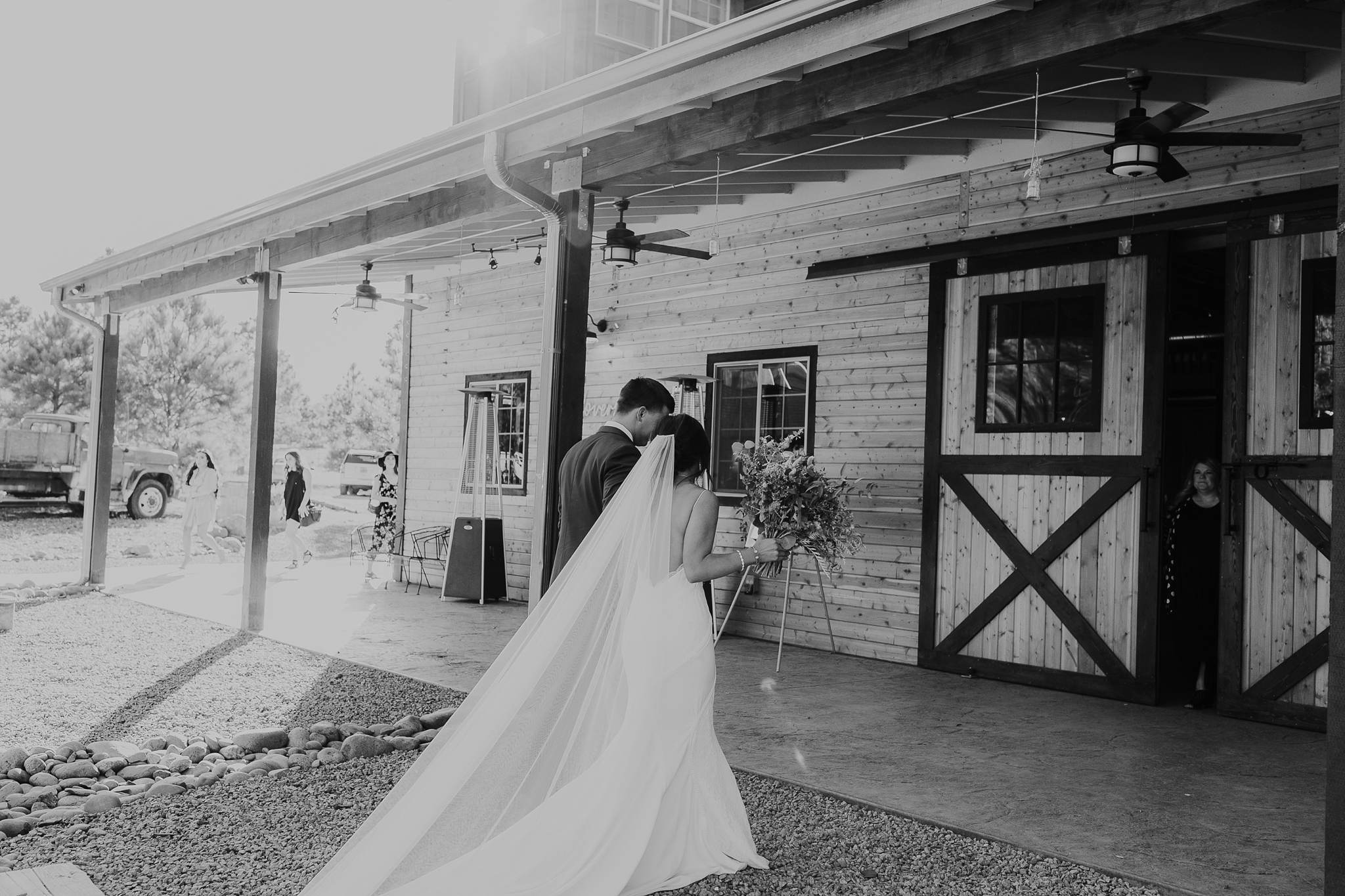 Alicia+lucia+photography+-+albuquerque+wedding+photographer+-+santa+fe+wedding+photography+-+new+mexico+wedding+photographer+-+new+mexico+wedding+-+new+mexico+wedding+-+barn+wedding+-+enchanted+vine+barn+wedding+-+ruidoso+wedding_0112.jpg