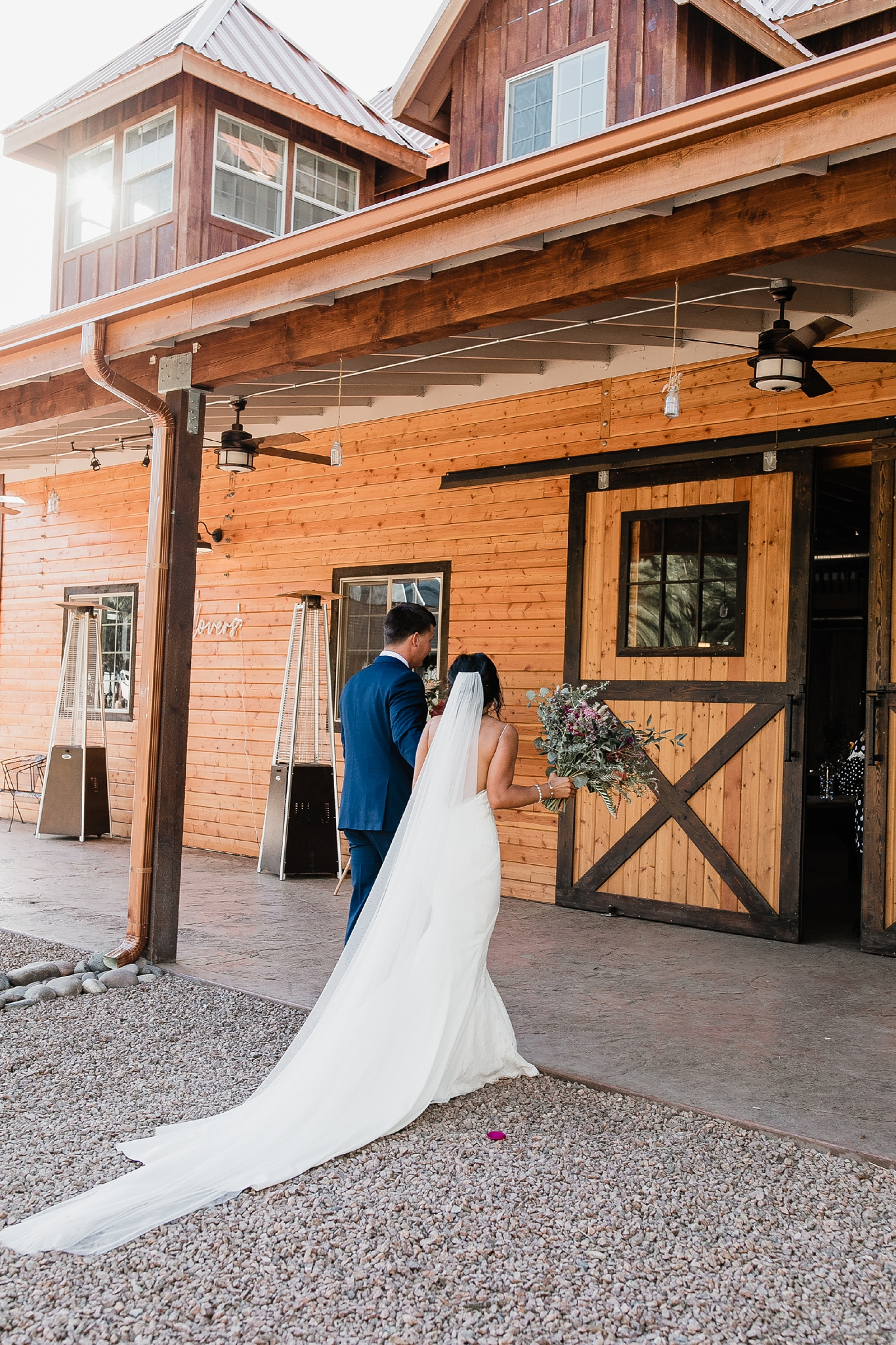 Alicia+lucia+photography+-+albuquerque+wedding+photographer+-+santa+fe+wedding+photography+-+new+mexico+wedding+photographer+-+new+mexico+wedding+-+new+mexico+wedding+-+barn+wedding+-+enchanted+vine+barn+wedding+-+ruidoso+wedding_0113.jpg