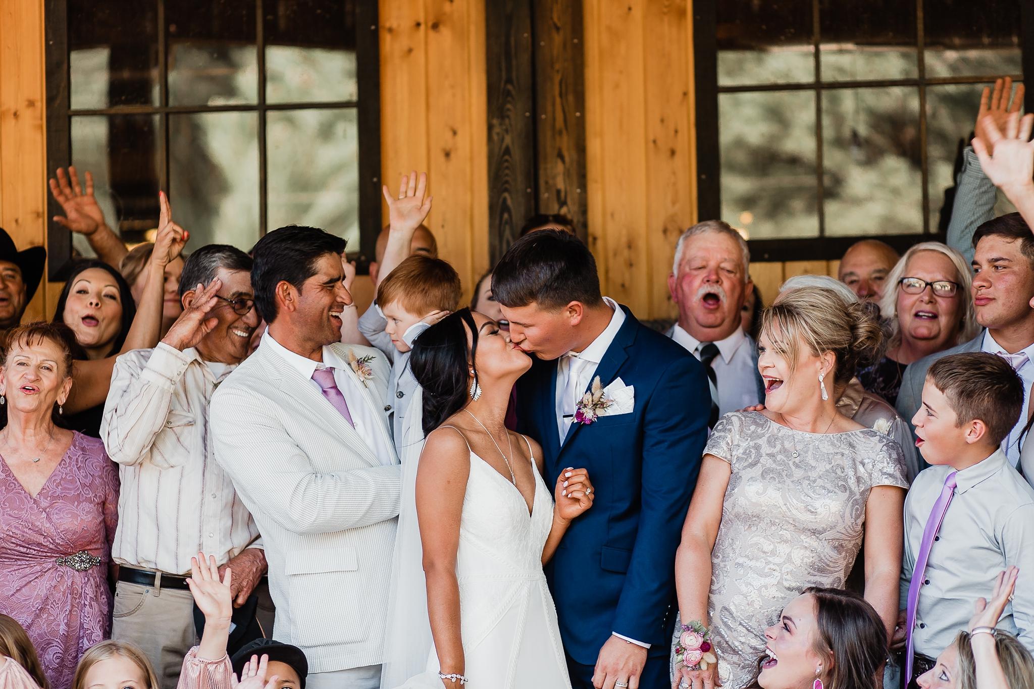 Alicia+lucia+photography+-+albuquerque+wedding+photographer+-+santa+fe+wedding+photography+-+new+mexico+wedding+photographer+-+new+mexico+wedding+-+new+mexico+wedding+-+barn+wedding+-+enchanted+vine+barn+wedding+-+ruidoso+wedding_0114.jpg