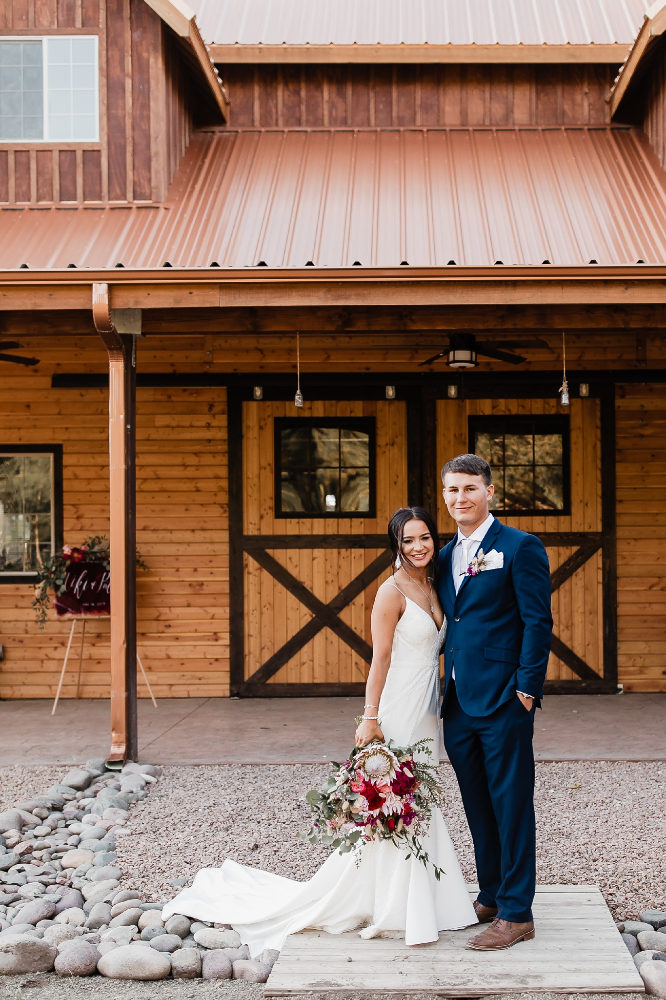 Alicia+lucia+photography+-+albuquerque+wedding+photographer+-+santa+fe+wedding+photography+-+new+mexico+wedding+photographer+-+new+mexico+wedding+-+new+mexico+wedding+-+barn+wedding+-+enchanted+vine+barn+wedding+-+ruidoso+wedding_0133.jpg