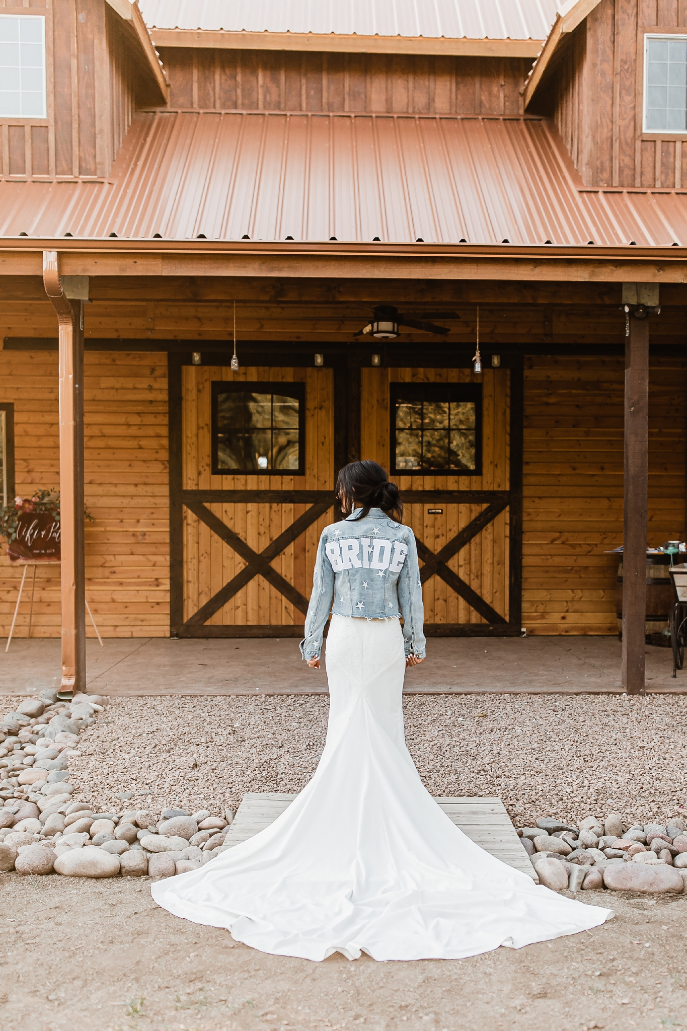 Alicia+lucia+photography+-+albuquerque+wedding+photographer+-+santa+fe+wedding+photography+-+new+mexico+wedding+photographer+-+new+mexico+wedding+-+new+mexico+wedding+-+barn+wedding+-+enchanted+vine+barn+wedding+-+ruidoso+wedding_0137.jpg