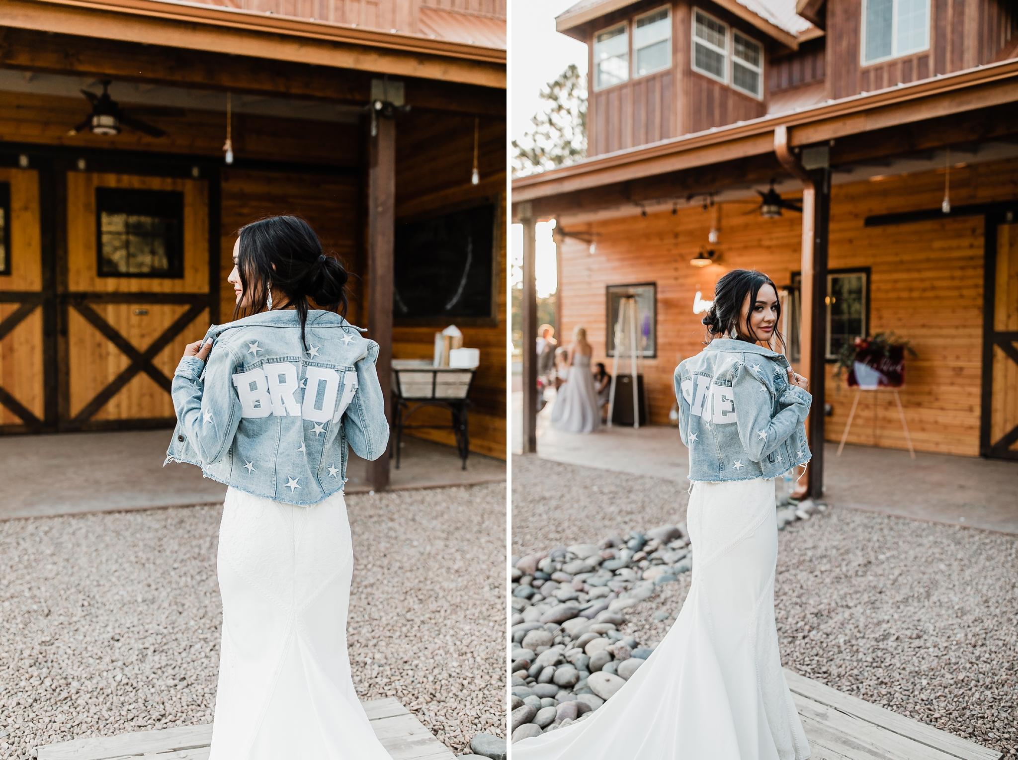 Alicia+lucia+photography+-+albuquerque+wedding+photographer+-+santa+fe+wedding+photography+-+new+mexico+wedding+photographer+-+new+mexico+wedding+-+new+mexico+wedding+-+barn+wedding+-+enchanted+vine+barn+wedding+-+ruidoso+wedding_0138.jpg