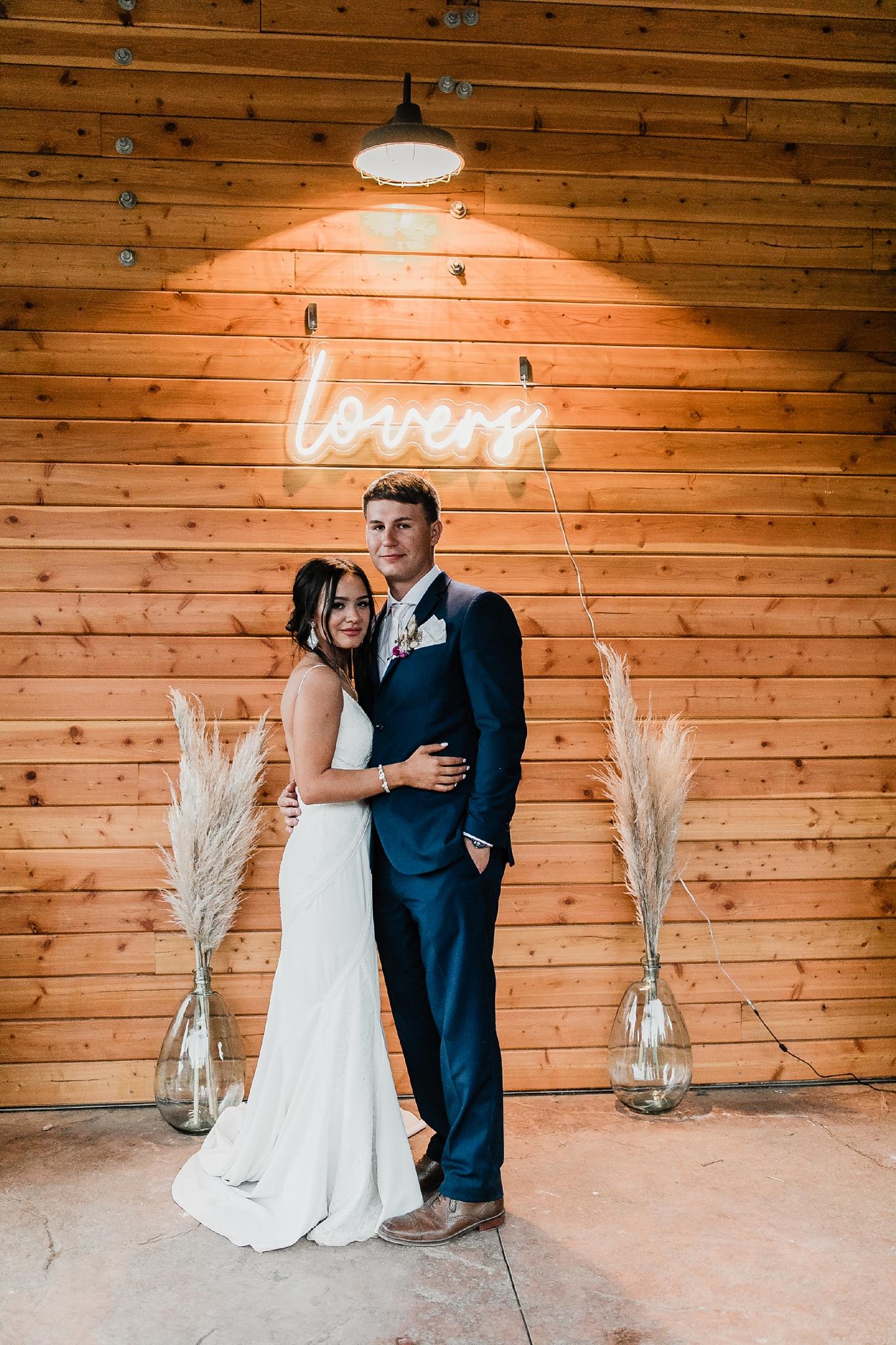 Alicia+lucia+photography+-+albuquerque+wedding+photographer+-+santa+fe+wedding+photography+-+new+mexico+wedding+photographer+-+new+mexico+wedding+-+new+mexico+wedding+-+barn+wedding+-+enchanted+vine+barn+wedding+-+ruidoso+wedding_0156.jpg