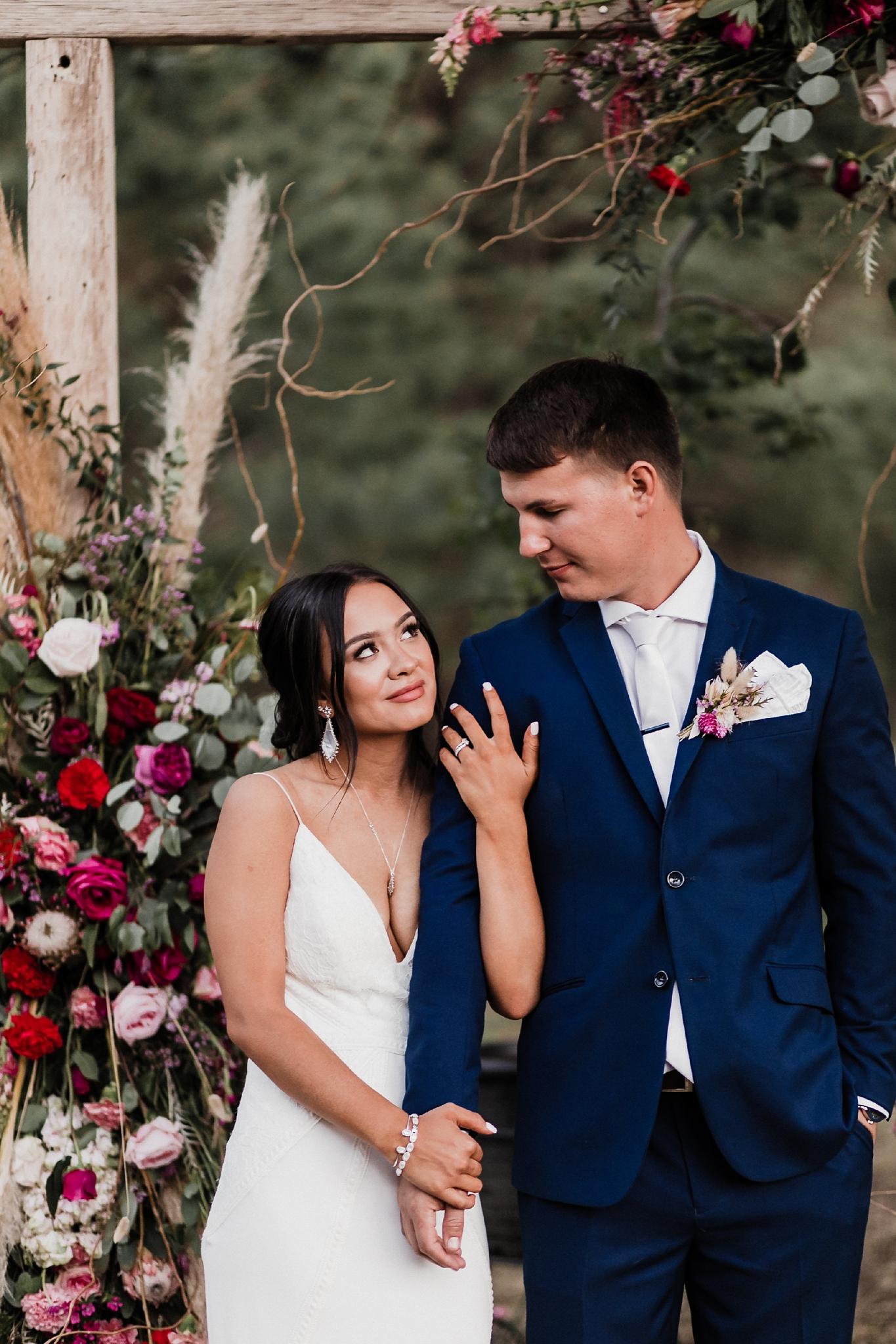 Alicia+lucia+photography+-+albuquerque+wedding+photographer+-+santa+fe+wedding+photography+-+new+mexico+wedding+photographer+-+new+mexico+wedding+-+new+mexico+wedding+-+barn+wedding+-+enchanted+vine+barn+wedding+-+ruidoso+wedding_0162.jpg