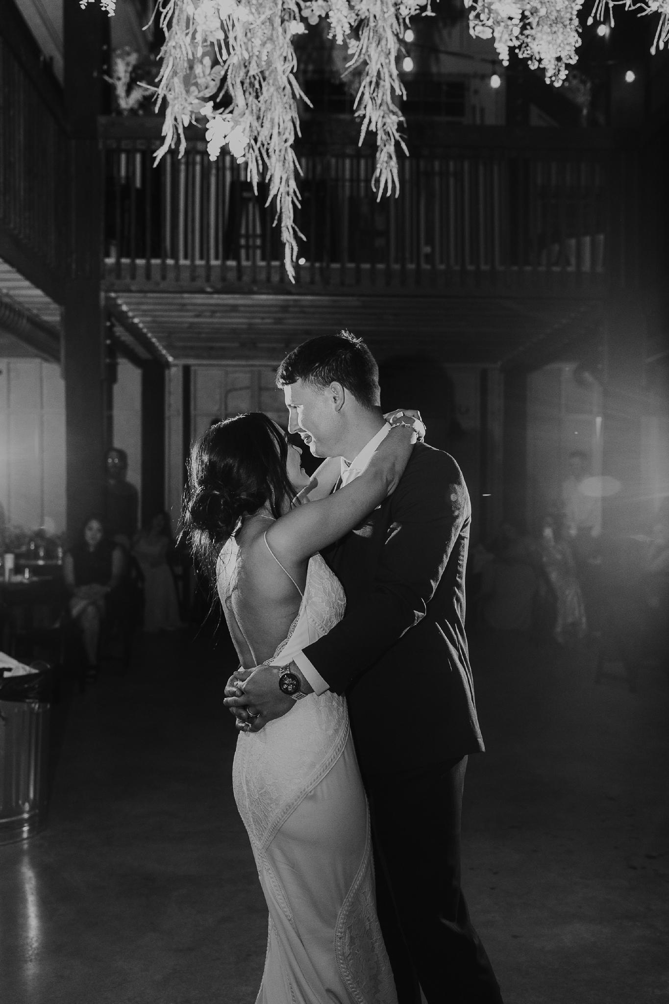 Alicia+lucia+photography+-+albuquerque+wedding+photographer+-+santa+fe+wedding+photography+-+new+mexico+wedding+photographer+-+new+mexico+wedding+-+new+mexico+wedding+-+barn+wedding+-+enchanted+vine+barn+wedding+-+ruidoso+wedding_0164.jpg