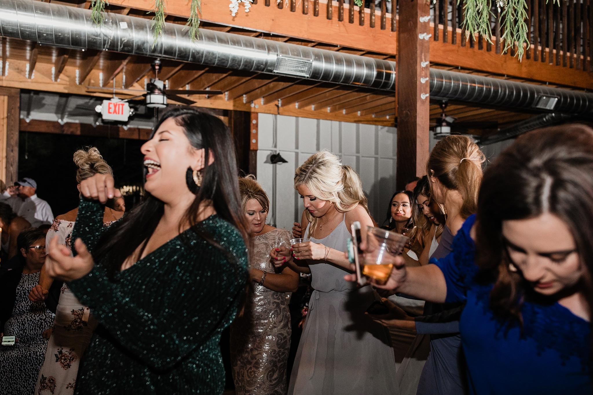 Alicia+lucia+photography+-+albuquerque+wedding+photographer+-+santa+fe+wedding+photography+-+new+mexico+wedding+photographer+-+new+mexico+wedding+-+new+mexico+wedding+-+barn+wedding+-+enchanted+vine+barn+wedding+-+ruidoso+wedding_0168.jpg