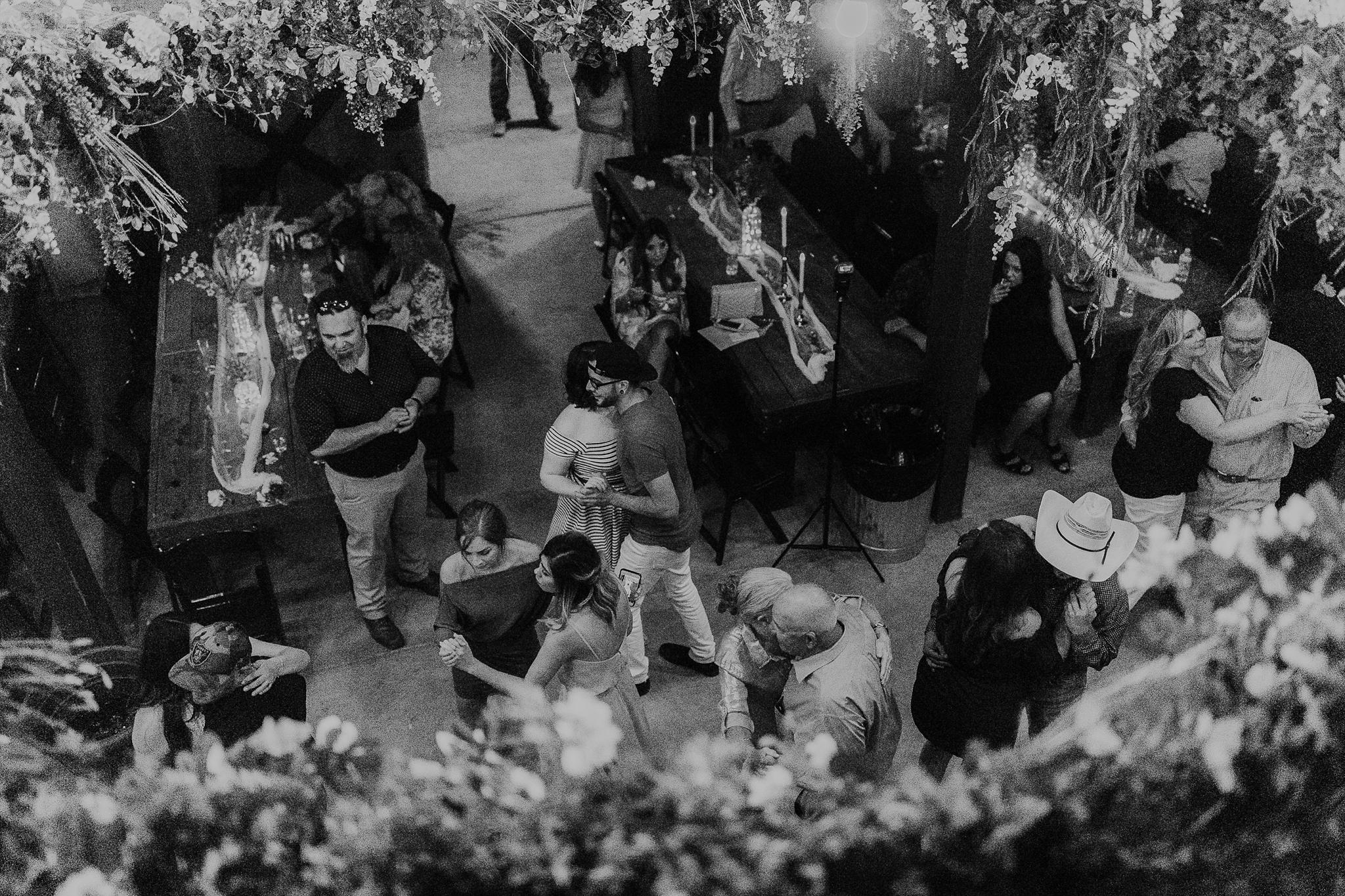 Alicia+lucia+photography+-+albuquerque+wedding+photographer+-+santa+fe+wedding+photography+-+new+mexico+wedding+photographer+-+new+mexico+wedding+-+new+mexico+wedding+-+barn+wedding+-+enchanted+vine+barn+wedding+-+ruidoso+wedding_0171.jpg