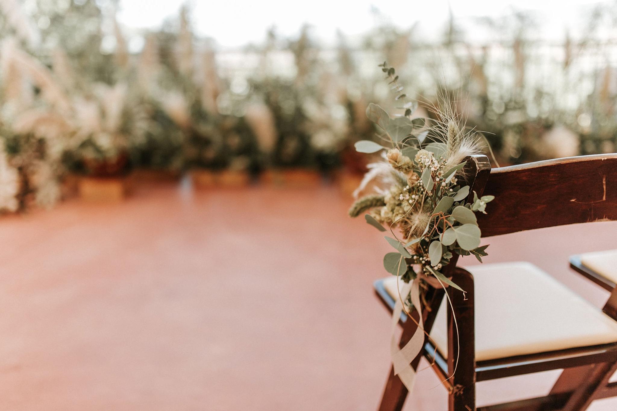 Alicia+lucia+photography+-+albuquerque+wedding+photographer+-+santa+fe+wedding+photography+-+new+mexico+wedding+photographer+-+new+mexico+wedding+-+new+mexico+wedding+-+wedding+florals+-+desert+wedding+-+wedding+trends_0035.jpg