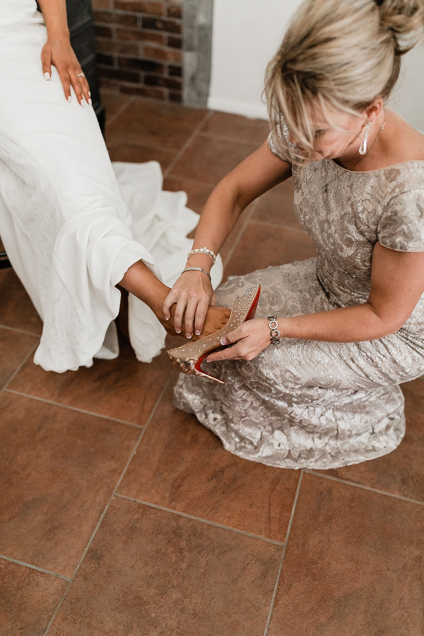Alicia+lucia+photography+-+albuquerque+wedding+photographer+-+santa+fe+wedding+photography+-+new+mexico+wedding+photographer+-+new+mexico+wedding+-+new+mexico+wedding+-+colorado+wedding+-+bridal+shoes+-+bridal+inspo_0004.jpg