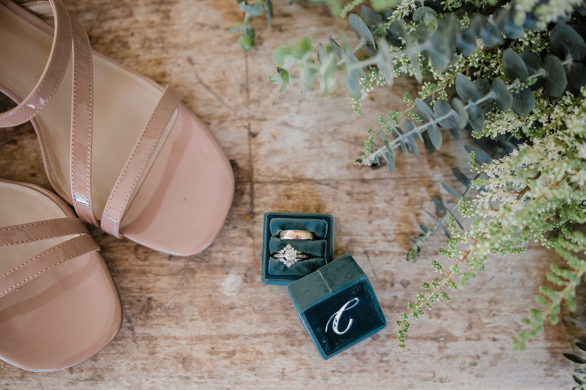 Alicia+lucia+photography+-+albuquerque+wedding+photographer+-+santa+fe+wedding+photography+-+new+mexico+wedding+photographer+-+new+mexico+wedding+-+new+mexico+wedding+-+colorado+wedding+-+bridal+shoes+-+bridal+inspo_0008.jpg