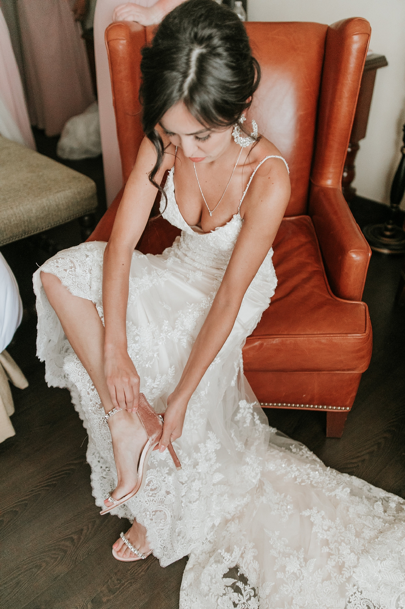 Alicia+lucia+photography+-+albuquerque+wedding+photographer+-+santa+fe+wedding+photography+-+new+mexico+wedding+photographer+-+new+mexico+wedding+-+new+mexico+wedding+-+colorado+wedding+-+bridal+shoes+-+bridal+inspo_0026.jpg