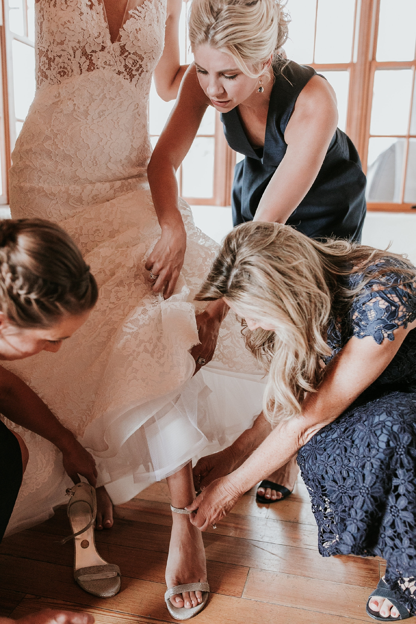 Alicia+lucia+photography+-+albuquerque+wedding+photographer+-+santa+fe+wedding+photography+-+new+mexico+wedding+photographer+-+new+mexico+wedding+-+new+mexico+wedding+-+colorado+wedding+-+bridal+shoes+-+bridal+inspo_0039.jpg