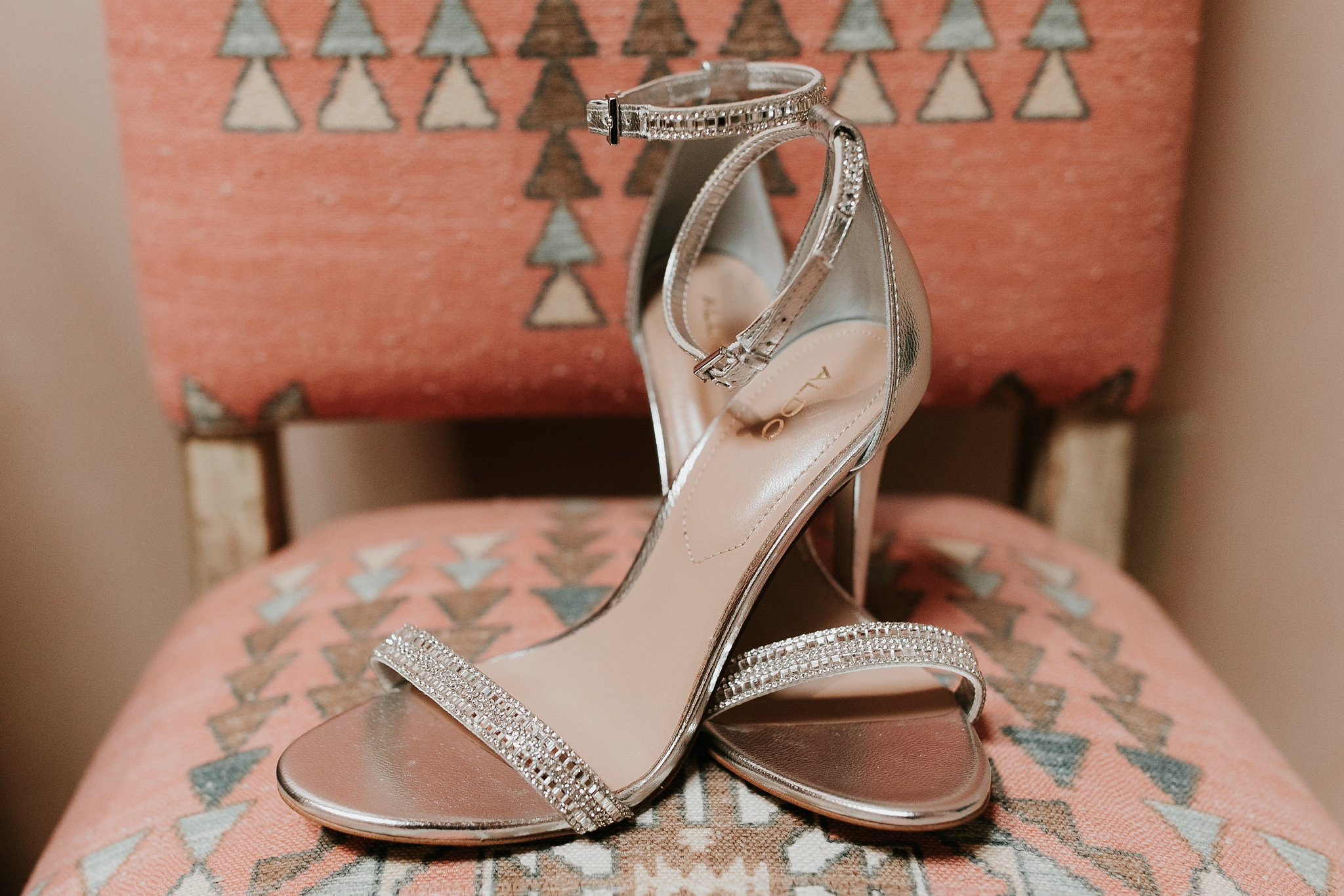 Alicia+lucia+photography+-+albuquerque+wedding+photographer+-+santa+fe+wedding+photography+-+new+mexico+wedding+photographer+-+new+mexico+wedding+-+new+mexico+wedding+-+colorado+wedding+-+bridal+shoes+-+bridal+inspo_0049.jpg