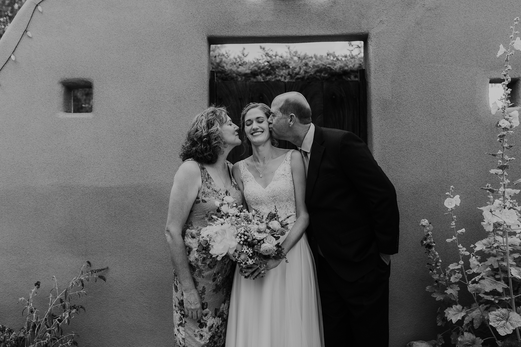 Alicia+lucia+photography+-+albuquerque+wedding+photographer+-+santa+fe+wedding+photography+-+new+mexico+wedding+photographer+-+new+mexico+wedding+-+new+mexico+wedding+-+albuquerque+wedding+-+casa+perea+wedding+-+summer+wedding_0040.jpg