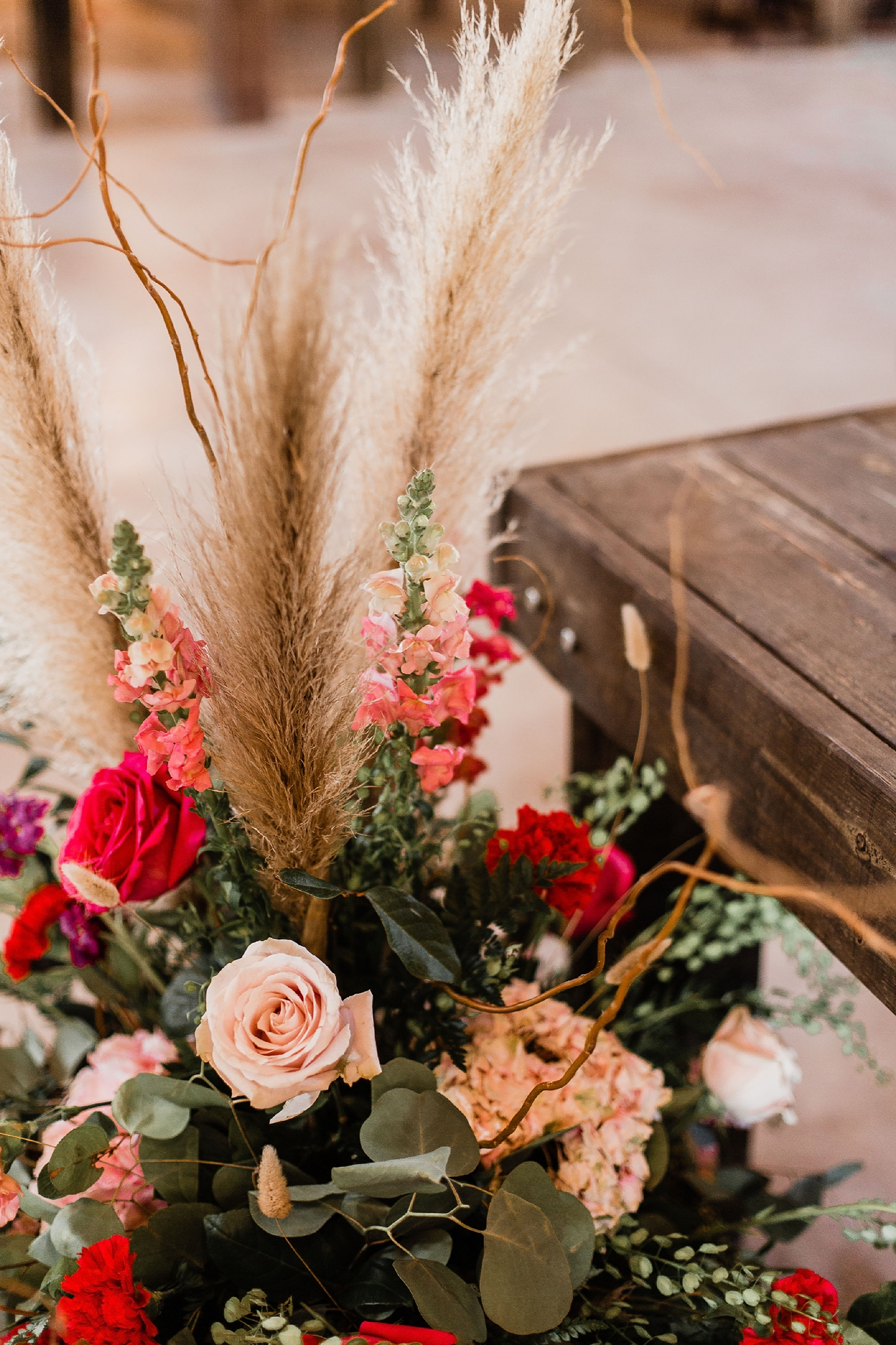 Alicia+lucia+photography+-+albuquerque+wedding+photographer+-+santa+fe+wedding+photography+-+new+mexico+wedding+photographer+-+new+mexico+wedding+-+summer+wedding+-+summer+wedding+florals+-+southwest+wedding_0010.jpg