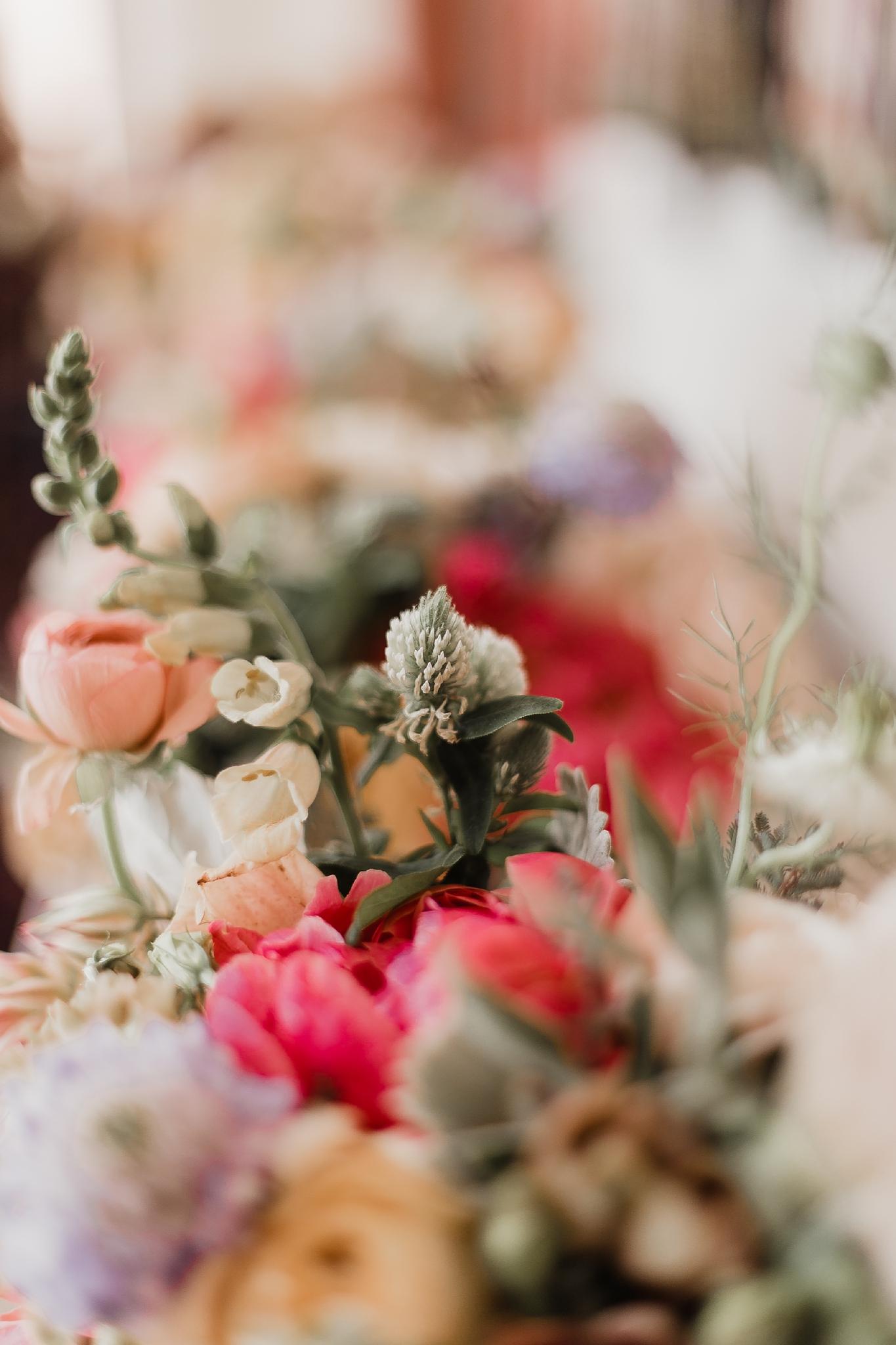 Alicia+lucia+photography+-+albuquerque+wedding+photographer+-+santa+fe+wedding+photography+-+new+mexico+wedding+photographer+-+new+mexico+wedding+-+summer+wedding+-+summer+wedding+florals+-+southwest+wedding_0044.jpg